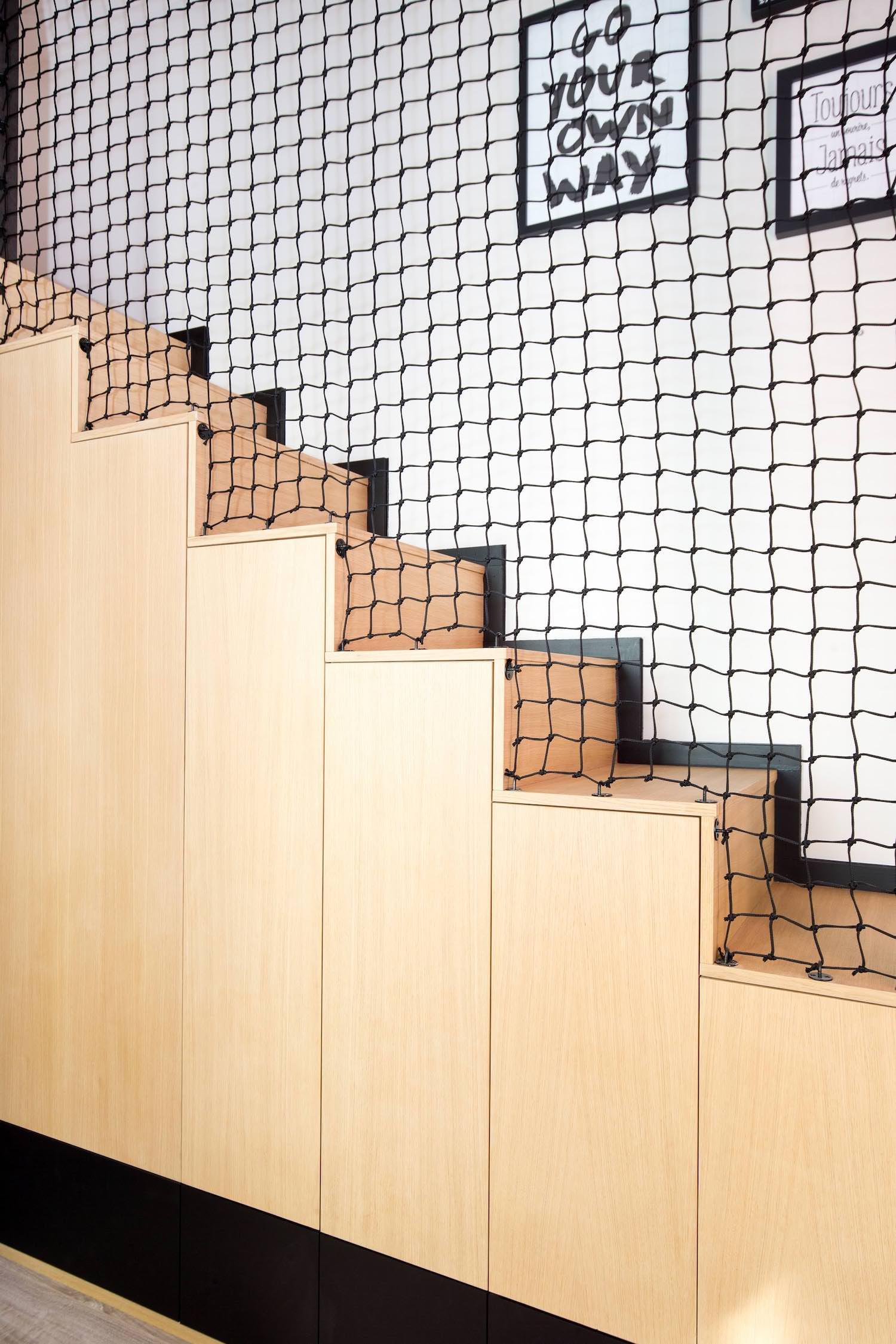 Escalier placards filet.jpg