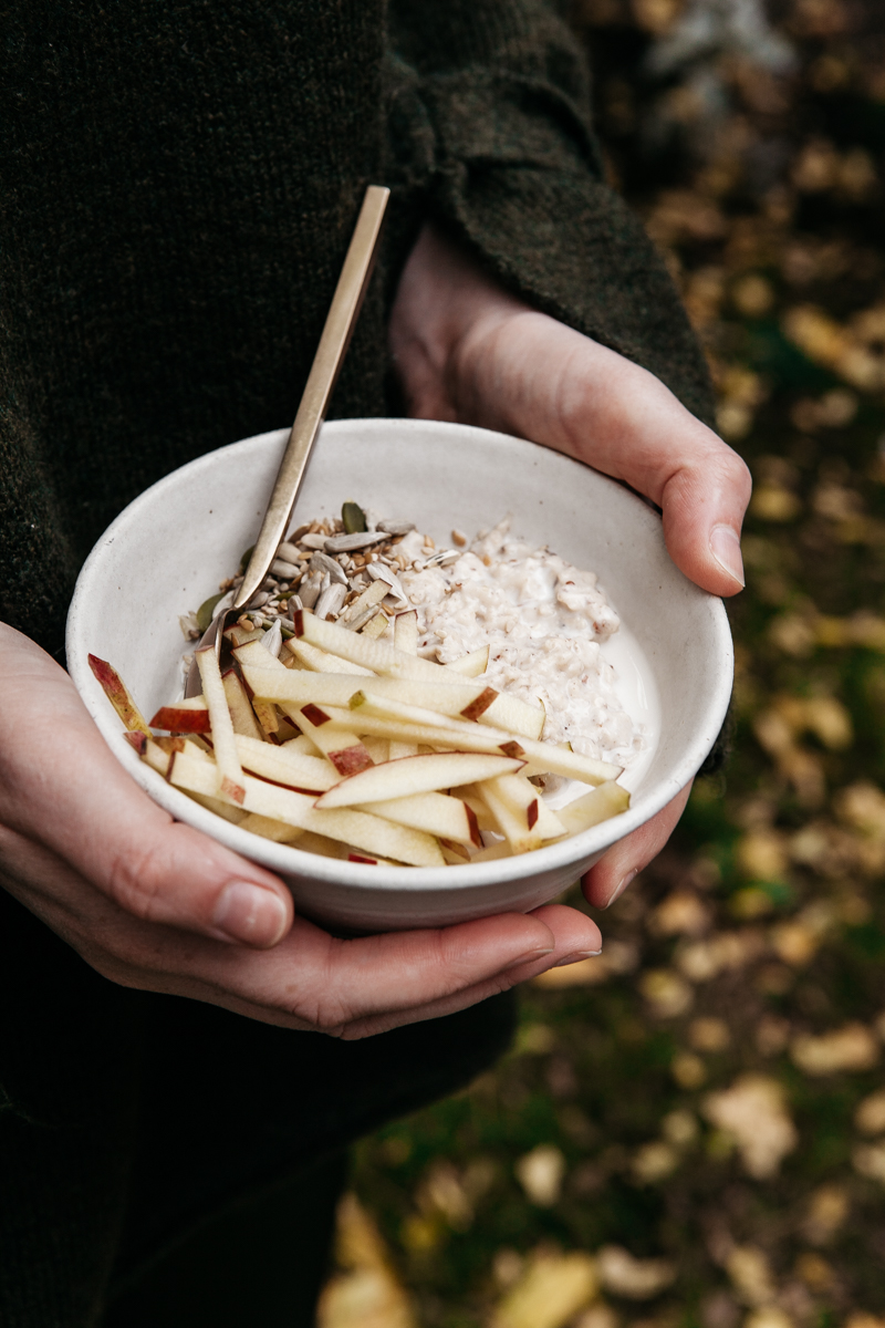 Wholegrain Autumn Oatmeal with Grated Apple - Rye London