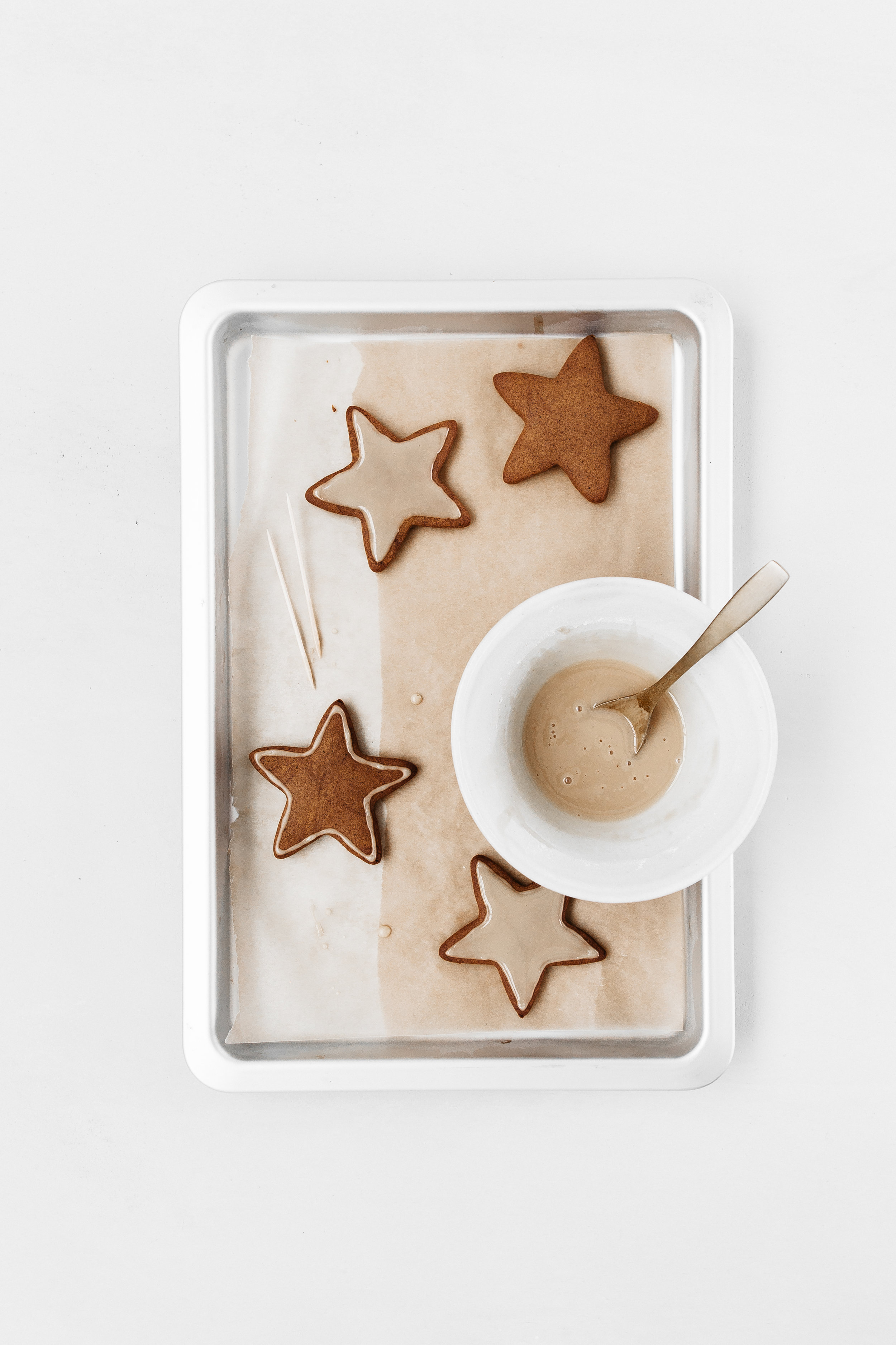 Carob Gingerbread Stars - Rye London