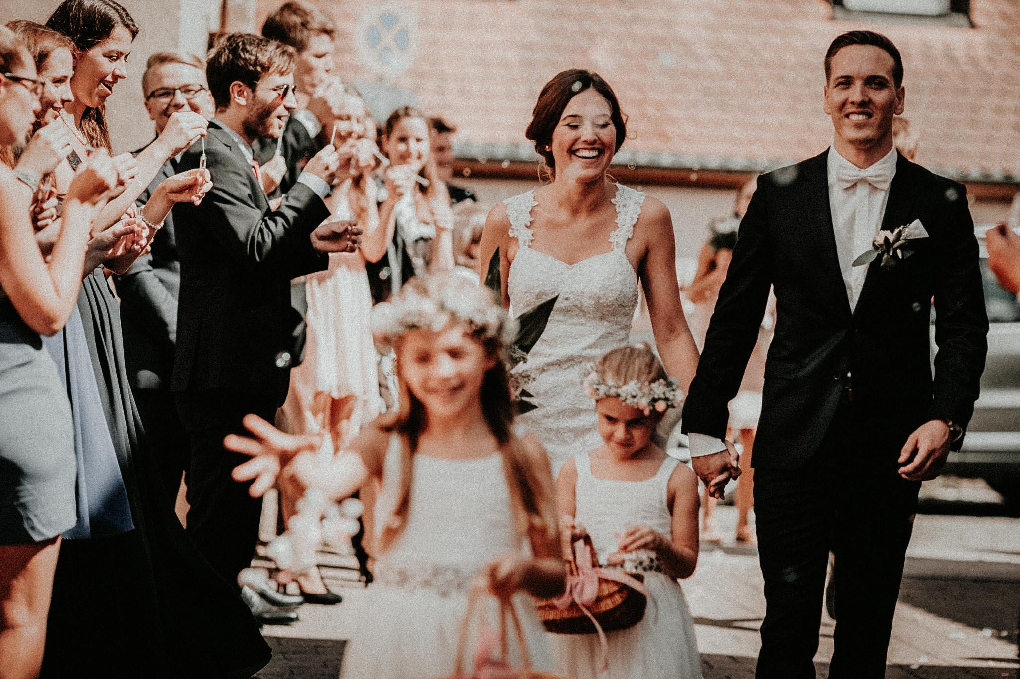 Lisa Philip Nürnberg Wendelstein Hochzeit Vintage-29.jpg