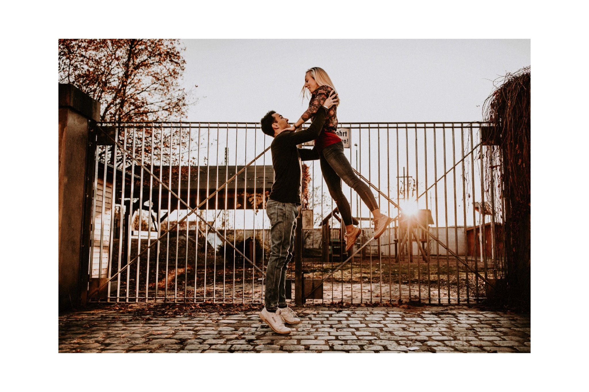 10_Carina & Fabian - Paarshooting-15_hochzeit_paarshooting_hochzeitsfotograf_nürnberg_intimatecouple.jpg