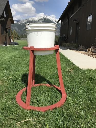 chickenwaterbucketholder.jpg