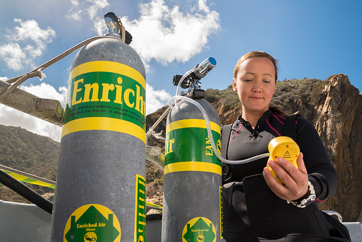 Nitrox / Enriched Air Diver - Learn how to conduct dives for enriched air up to 40% oxygen.