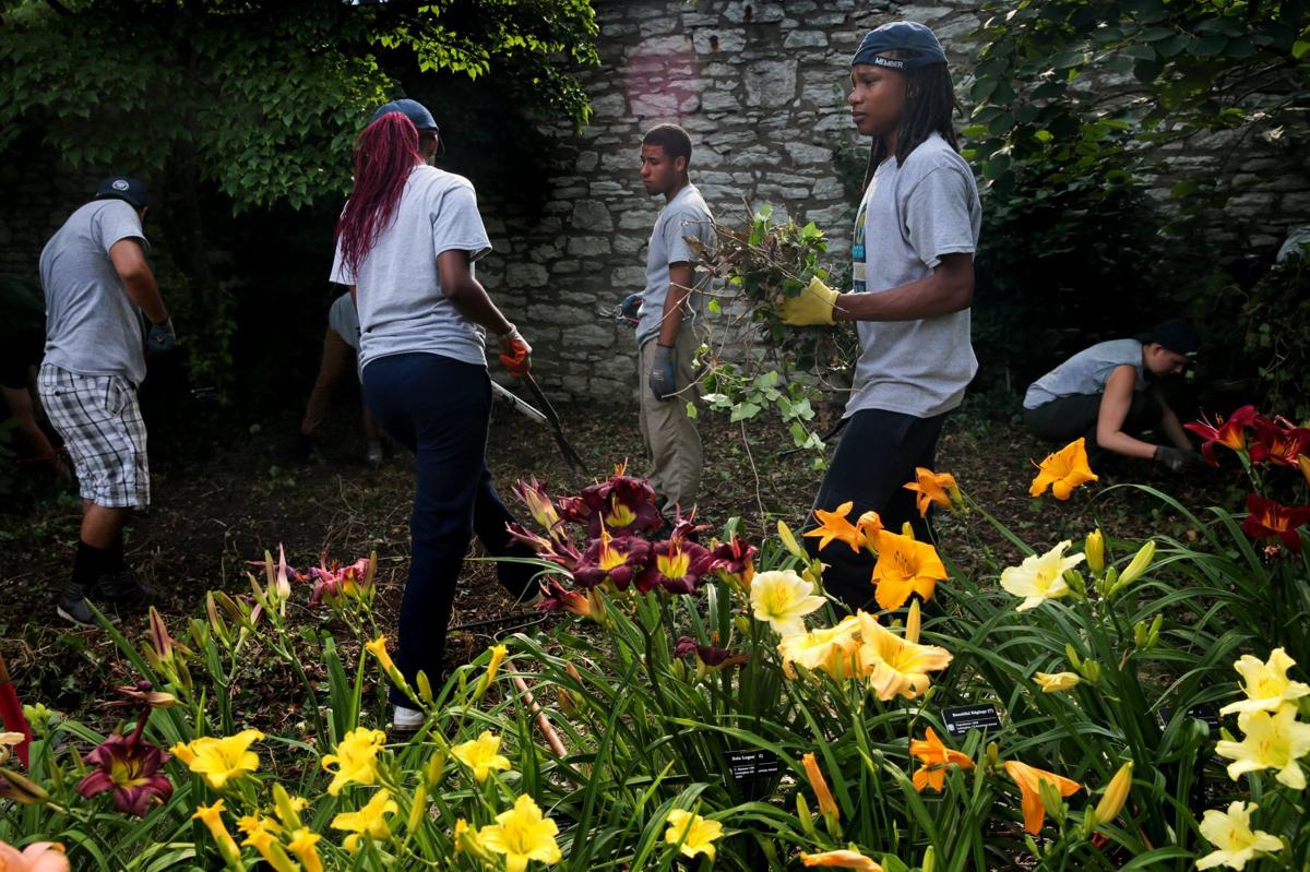 The Outdoor Youth Corps hard at work!  Photo Credit: Laurie Srkivan, St. Louis Post-Dispatch