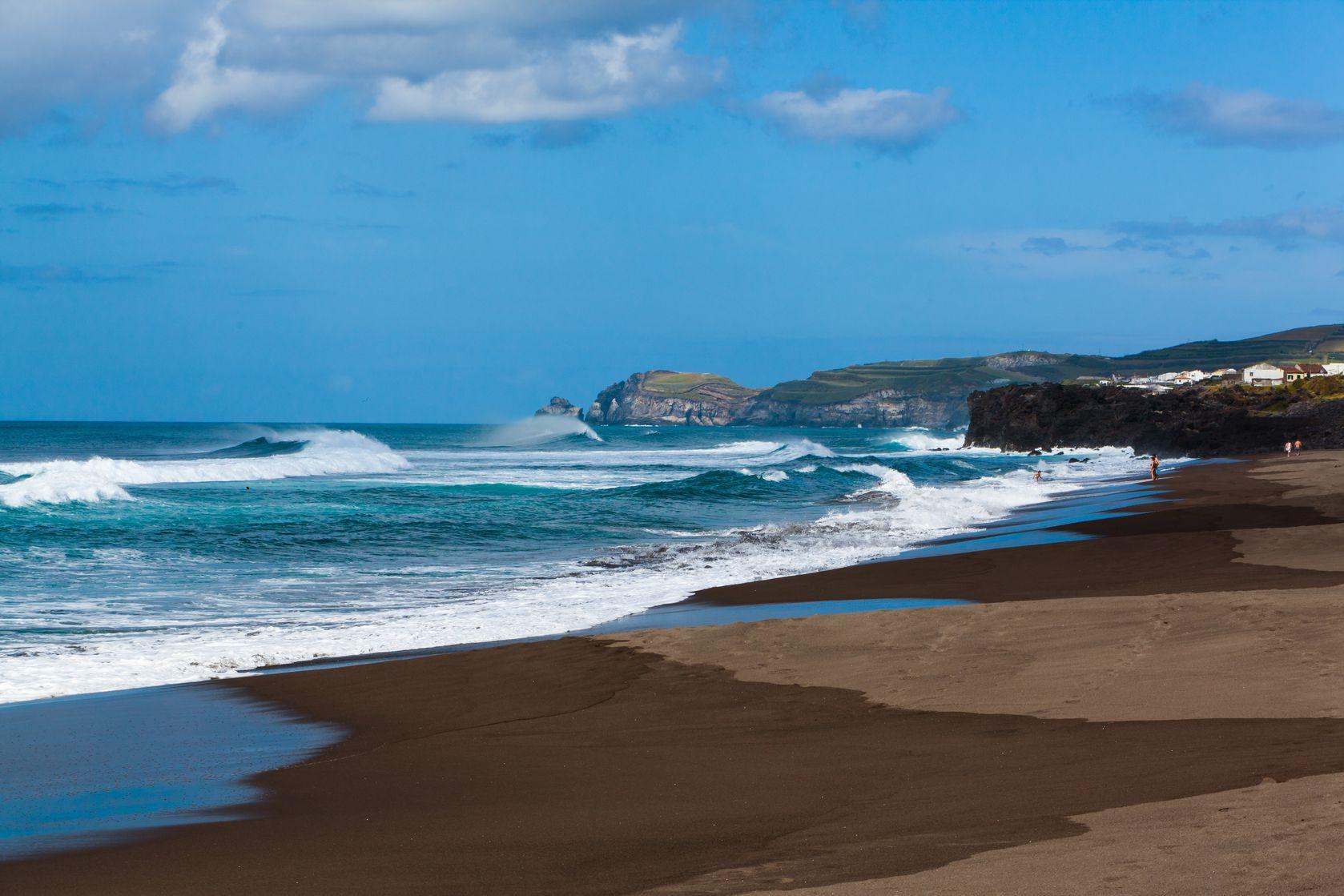 galapagos_bigstock-Beautiful-panorama-of-Galapago-41598244.jpg