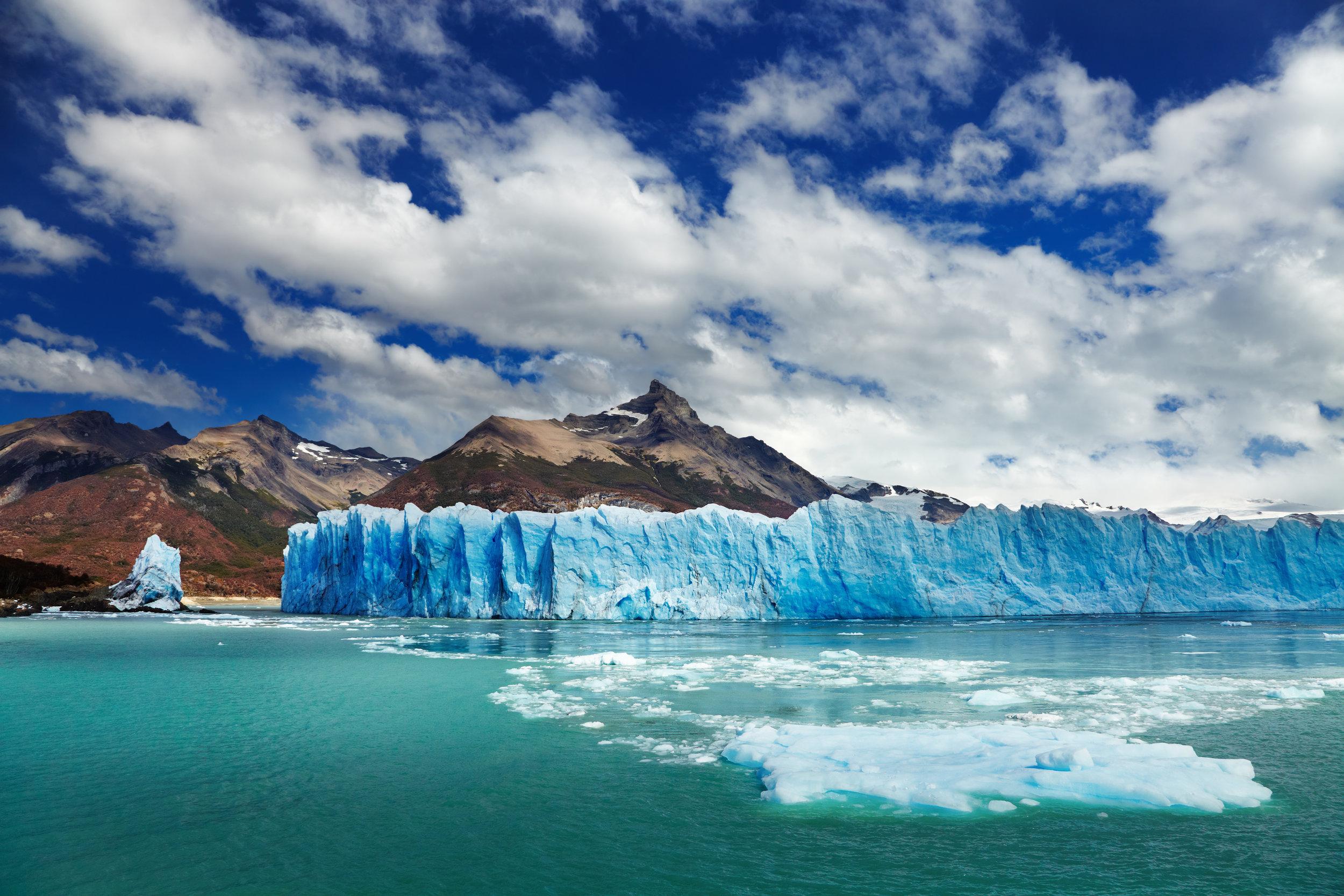 bigstock-Perito-Moreno-Glacier-Argenti-36466249.jpg