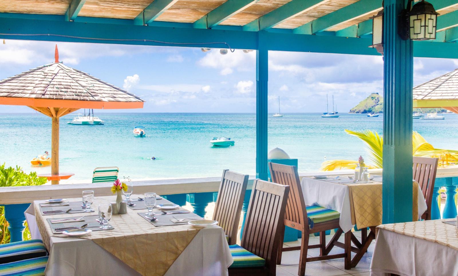 Bay Gardens Resort & Spa på St. Lucia er et herlig hotell med flott beliggenhet på stranden.