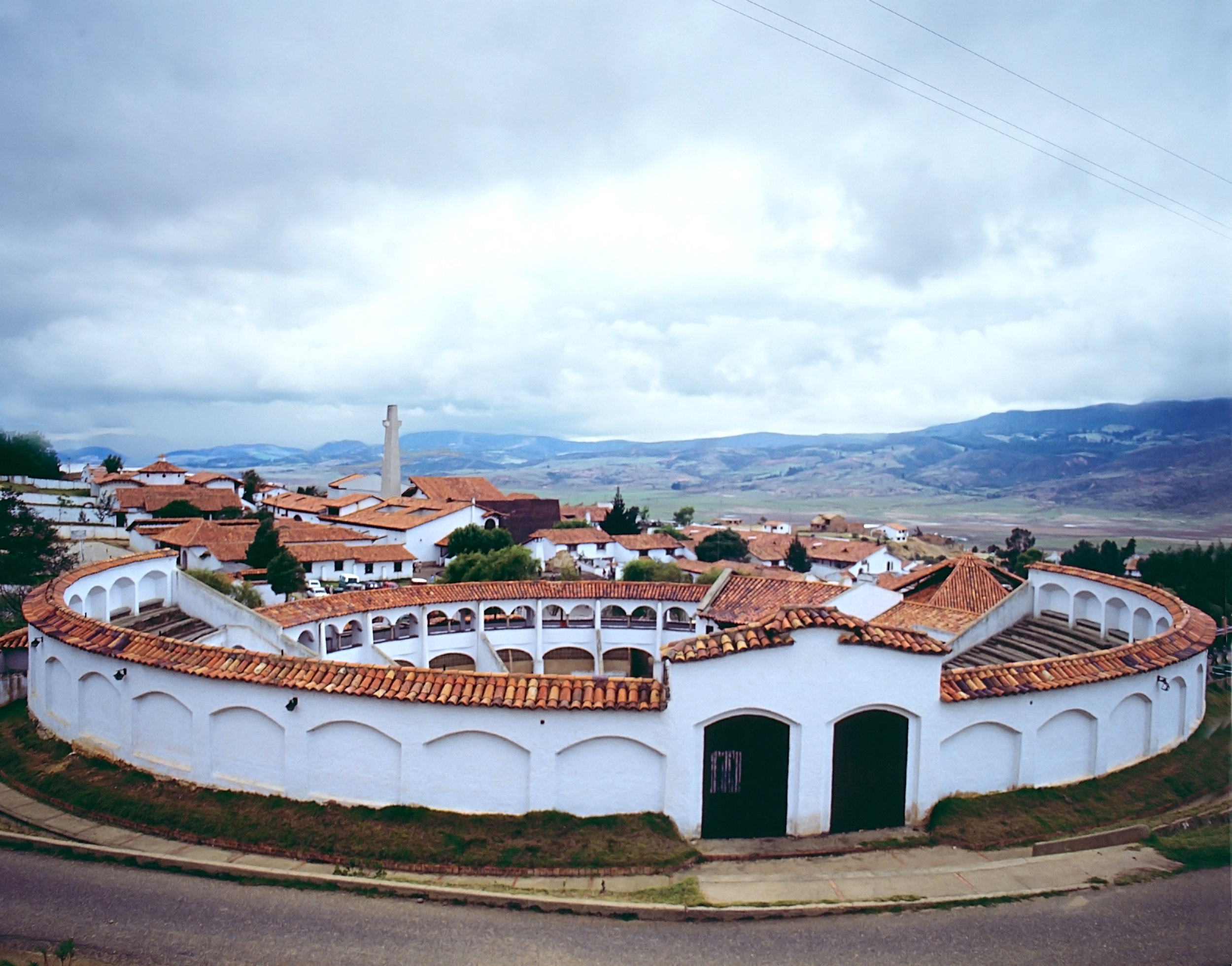 colombia_bigstock-Bullfight-arena-844329.jpg
