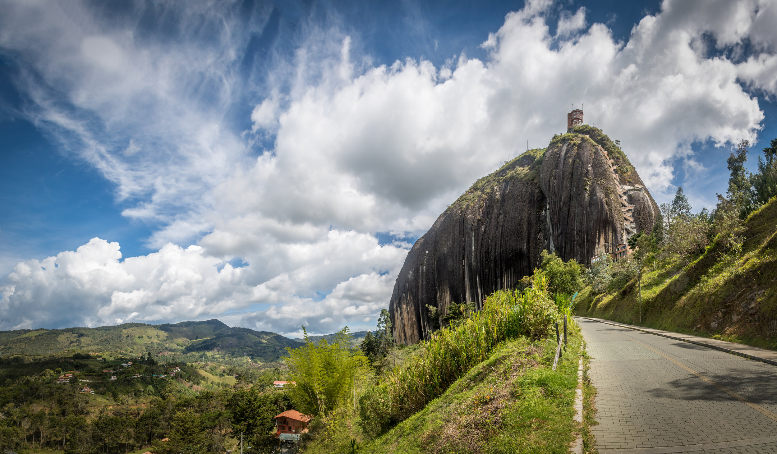 Høyt og lavt i Colombia med Espnes. Majestetisk natur og unike destinasjoner. Luksusreise fra millionbyen Bogotá, til en underjordisk katedral, El  Dorado, ørken, arkeologiske skatter