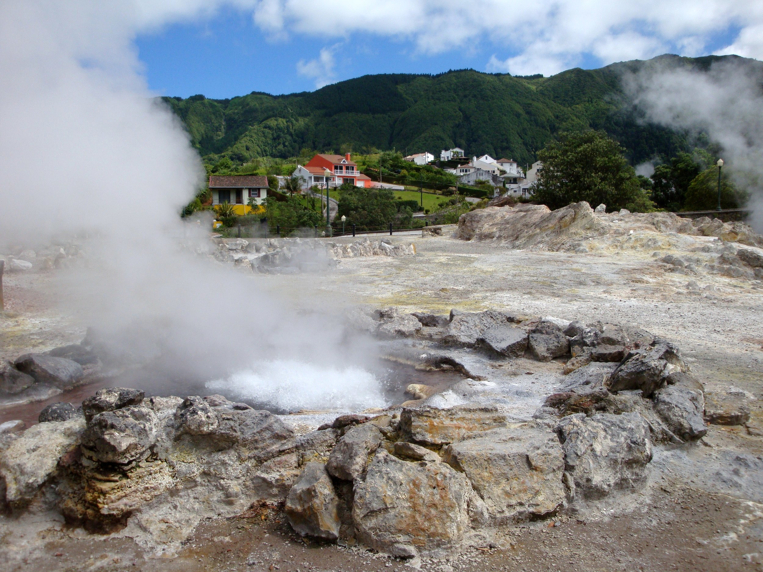 Varme kilder i Furnasdalen på Azorene