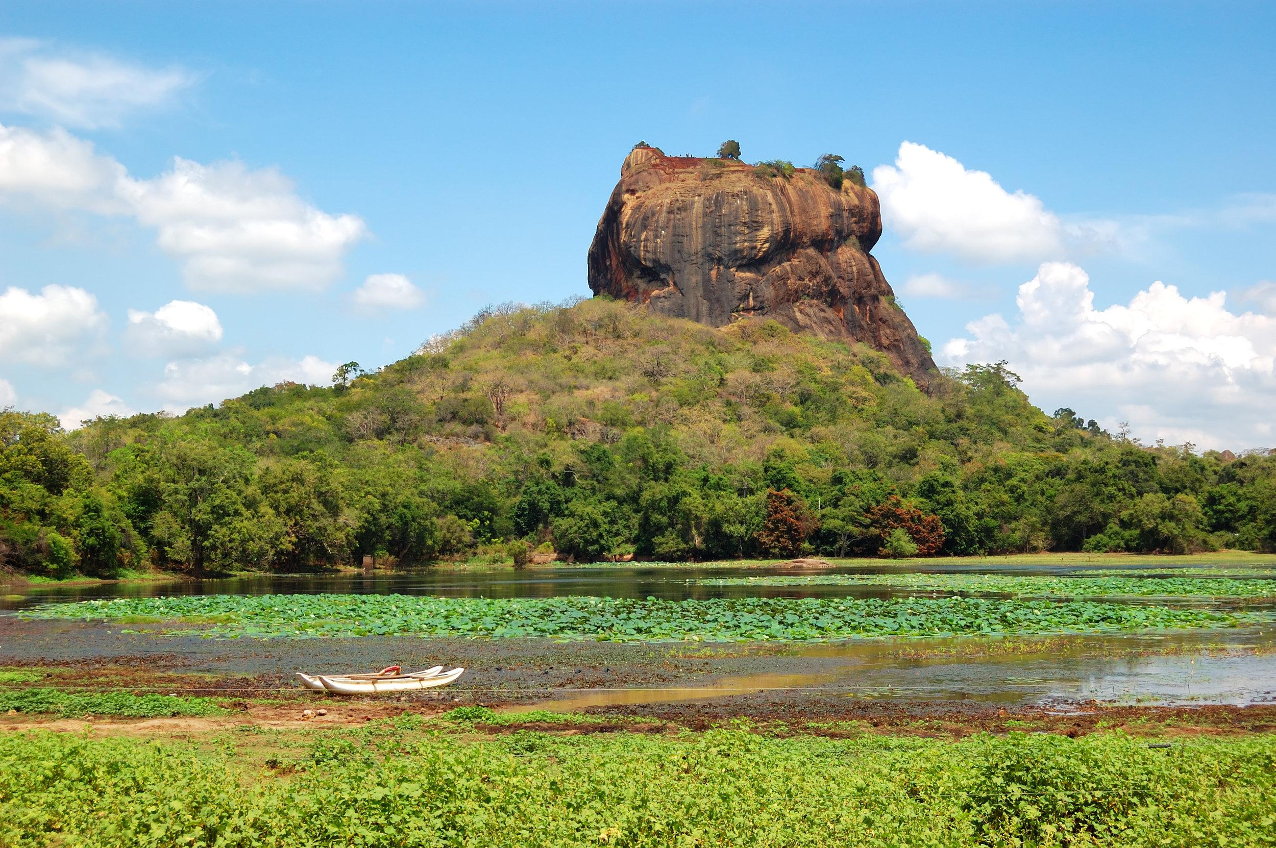 srilanka_lionsrock_bigstock-The-Sigiriya-lion-s-Rock-Is--50105372.jpg