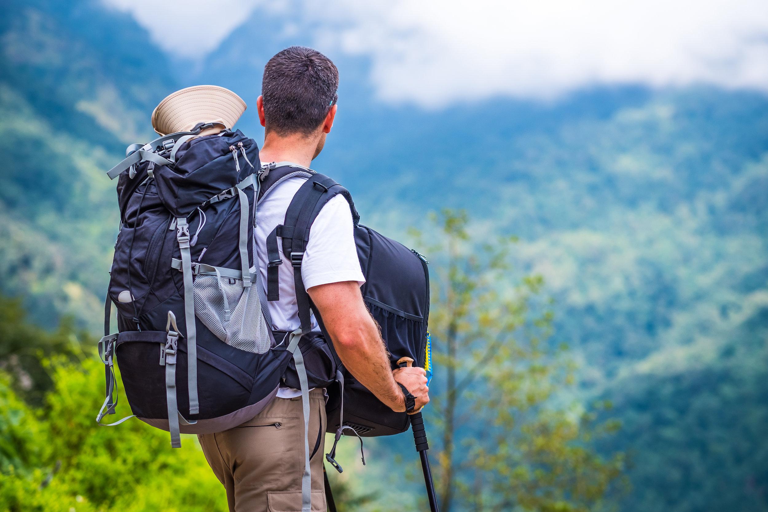 nepal_annapurna_bigstock-Tourist-with-huge-backpacks-en-224539018.jpg