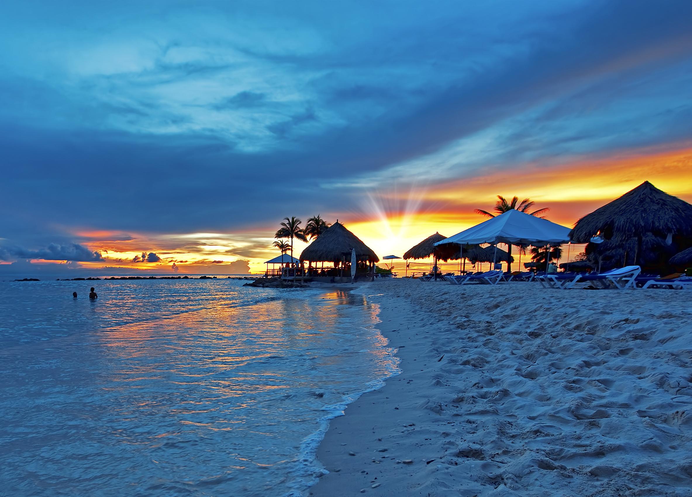 curacao_bigstock-Sunset-on-Curacao-10995287_crop.jpg