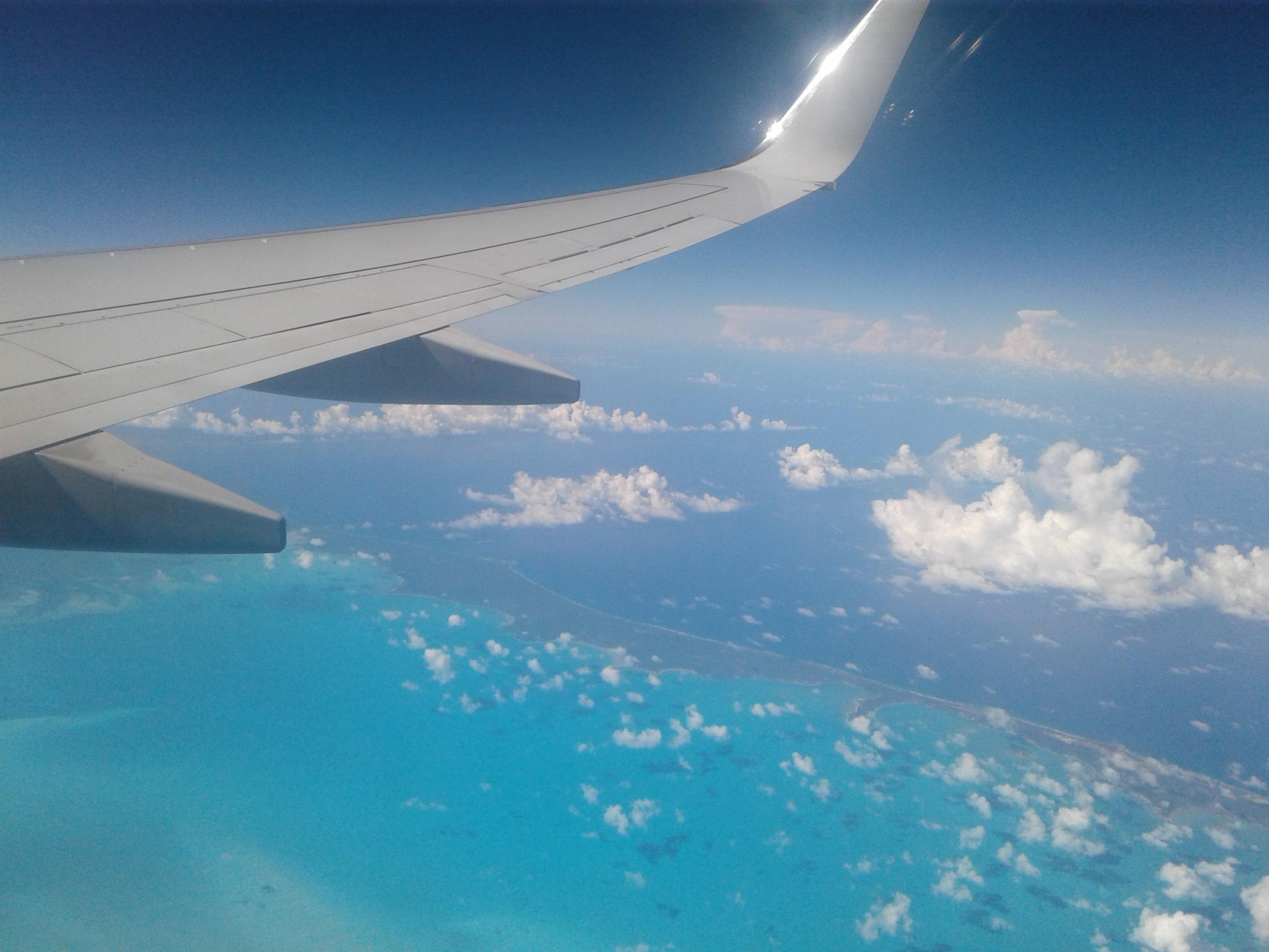 Vannet er så klart at man ser sanddynene på havbunnen