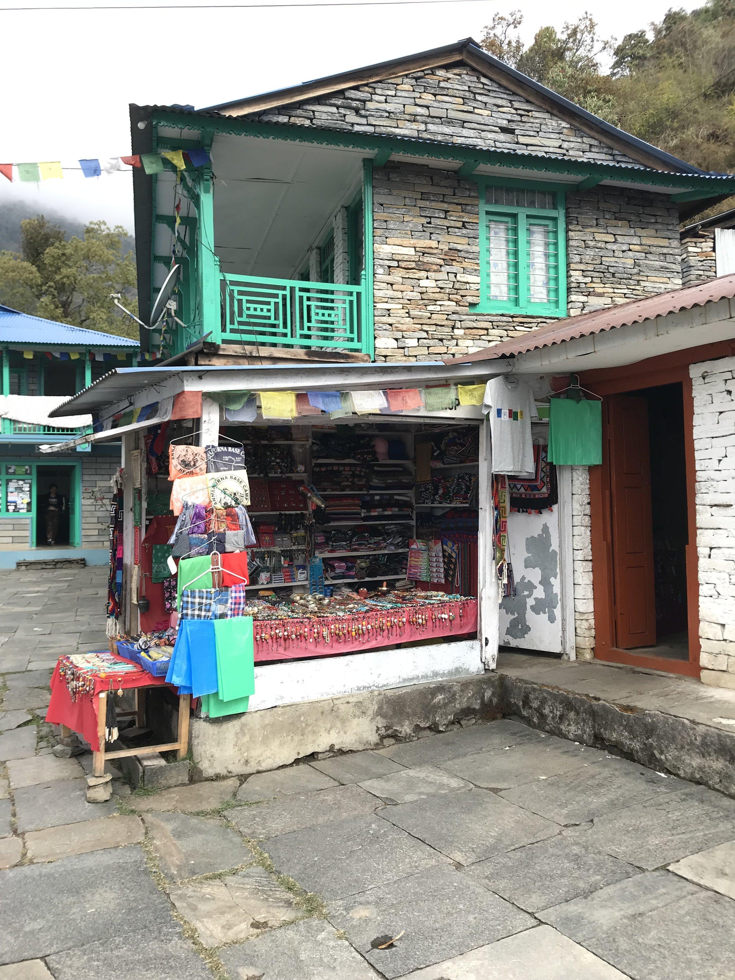 Lokale souvenirer og forfriskninger underveis