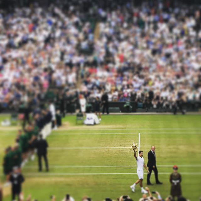 @wimbledon Champion ! 🏆🎾 #totallegend #rogerfederer great sunday x