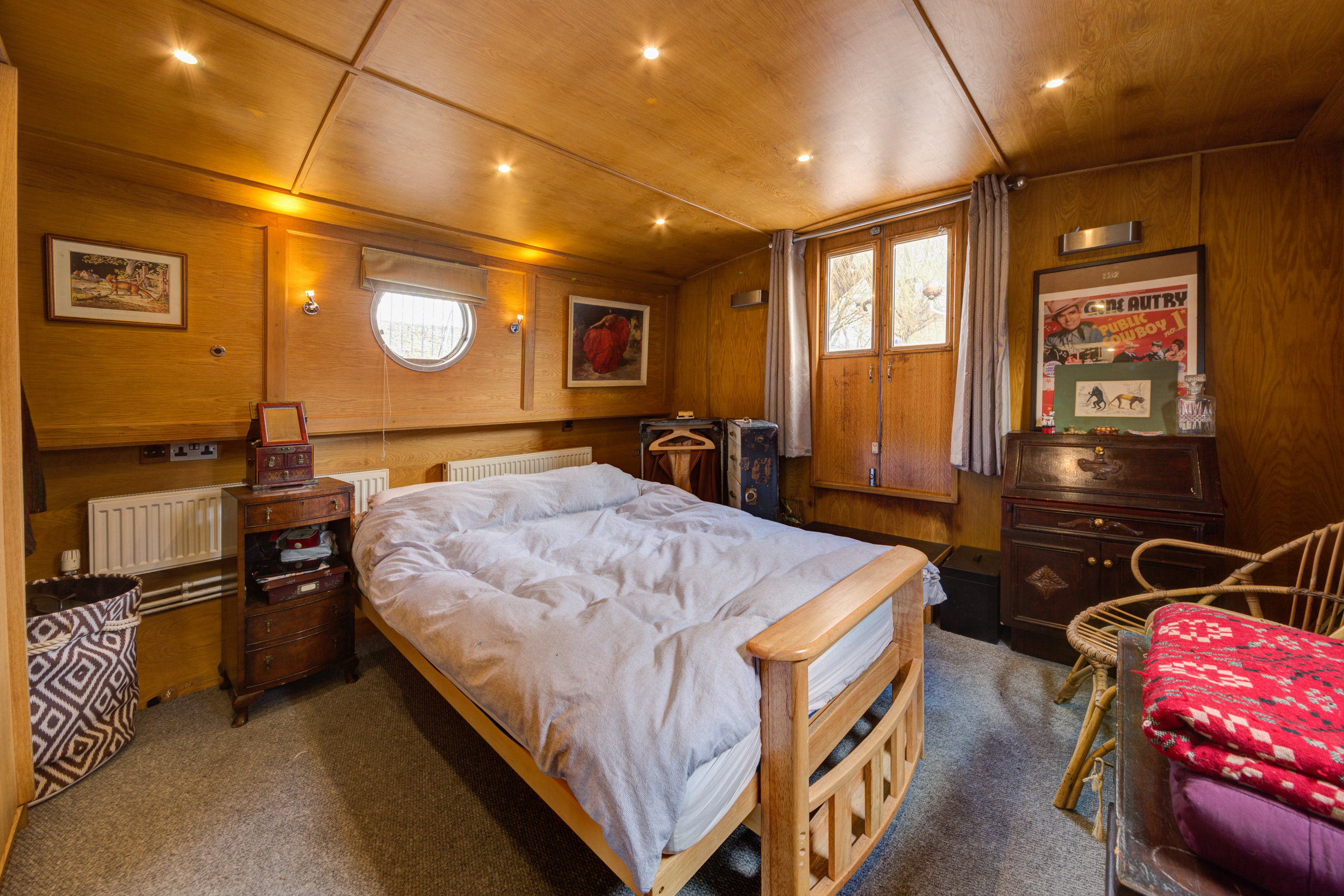 Bethnal Green Boat-1.jpg