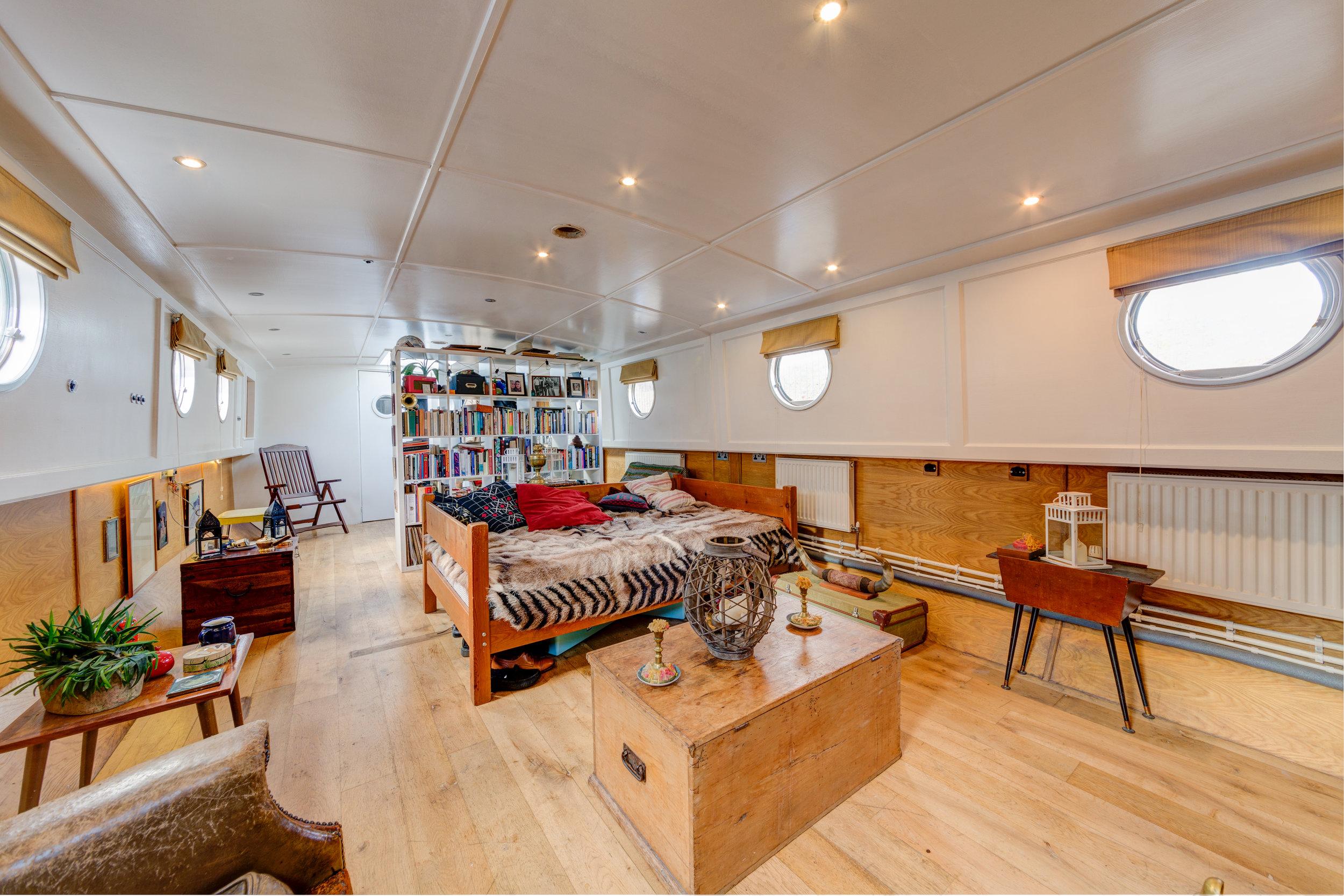 Bethnal Green Boat-6.jpg
