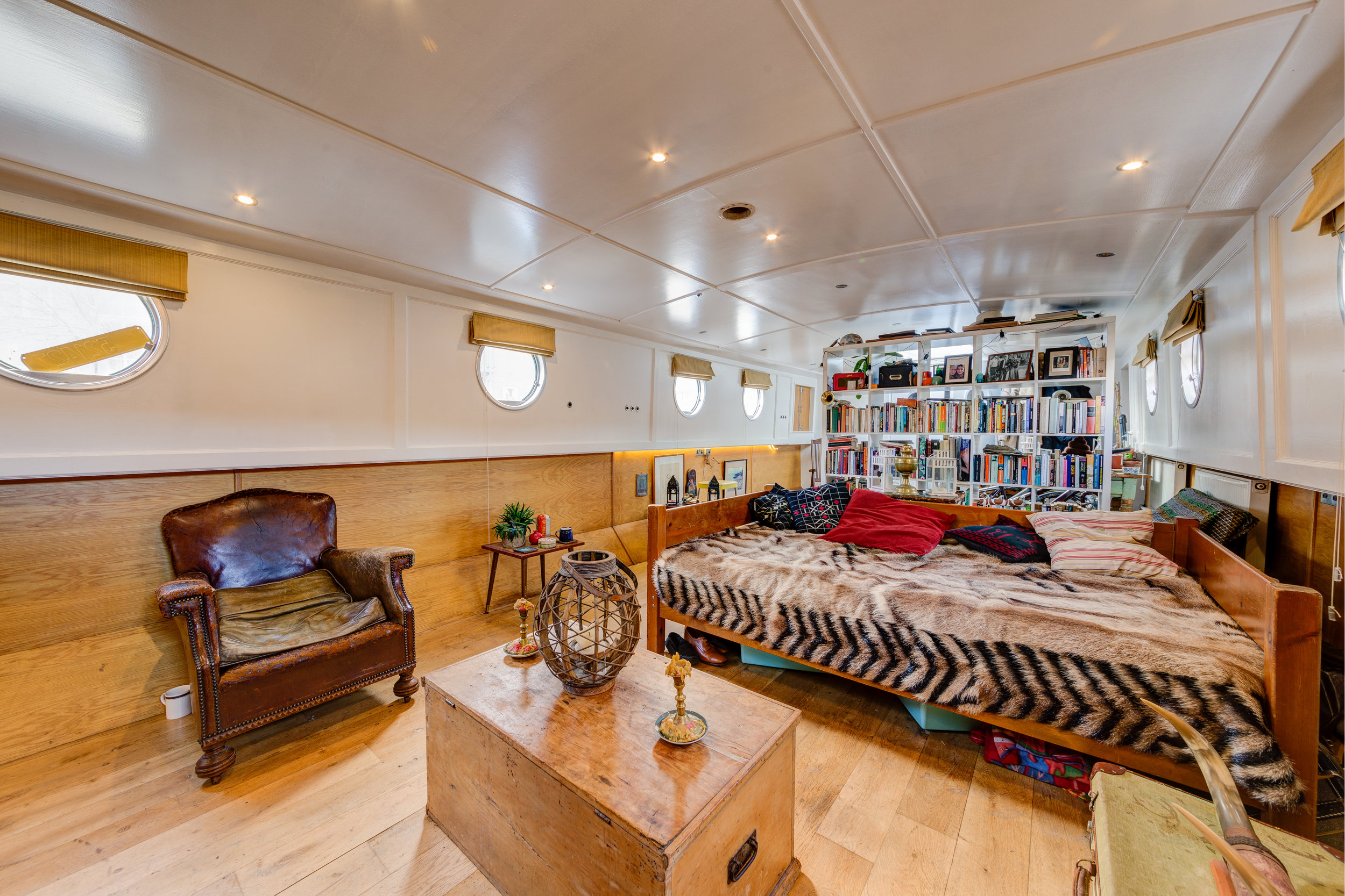 Bethnal Green Boat-7.jpg