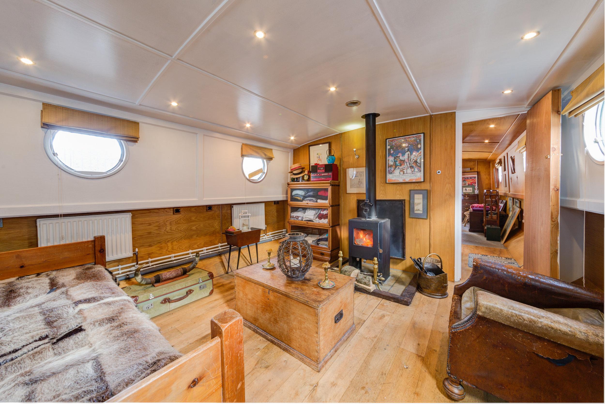Bethnal Green Boat-8.jpg