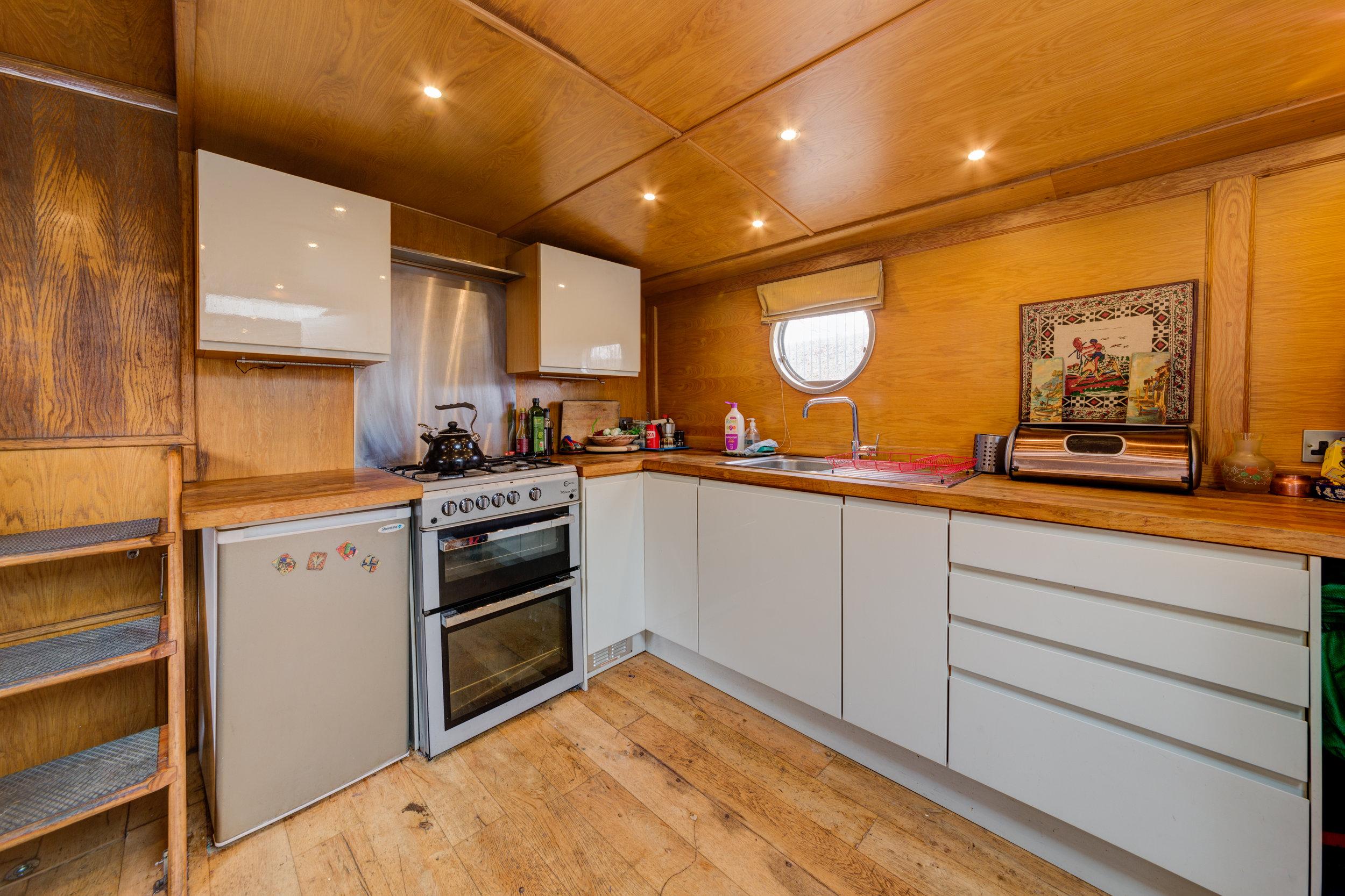 Bethnal Green Boat-12.jpg