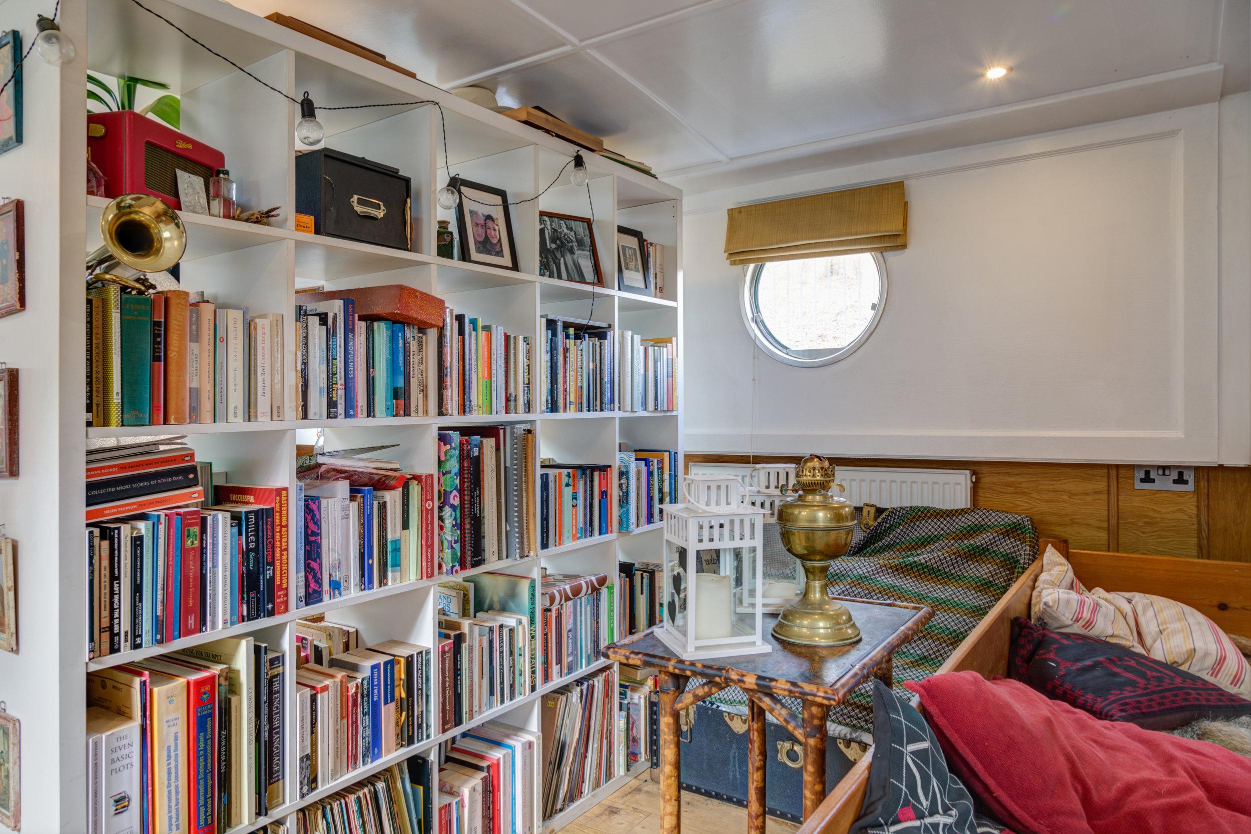 Bethnal Green Boat-20.jpg