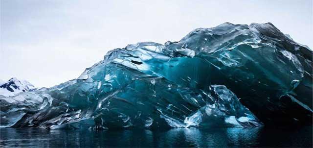 zaria-forman-paintings-iceberg.jpg