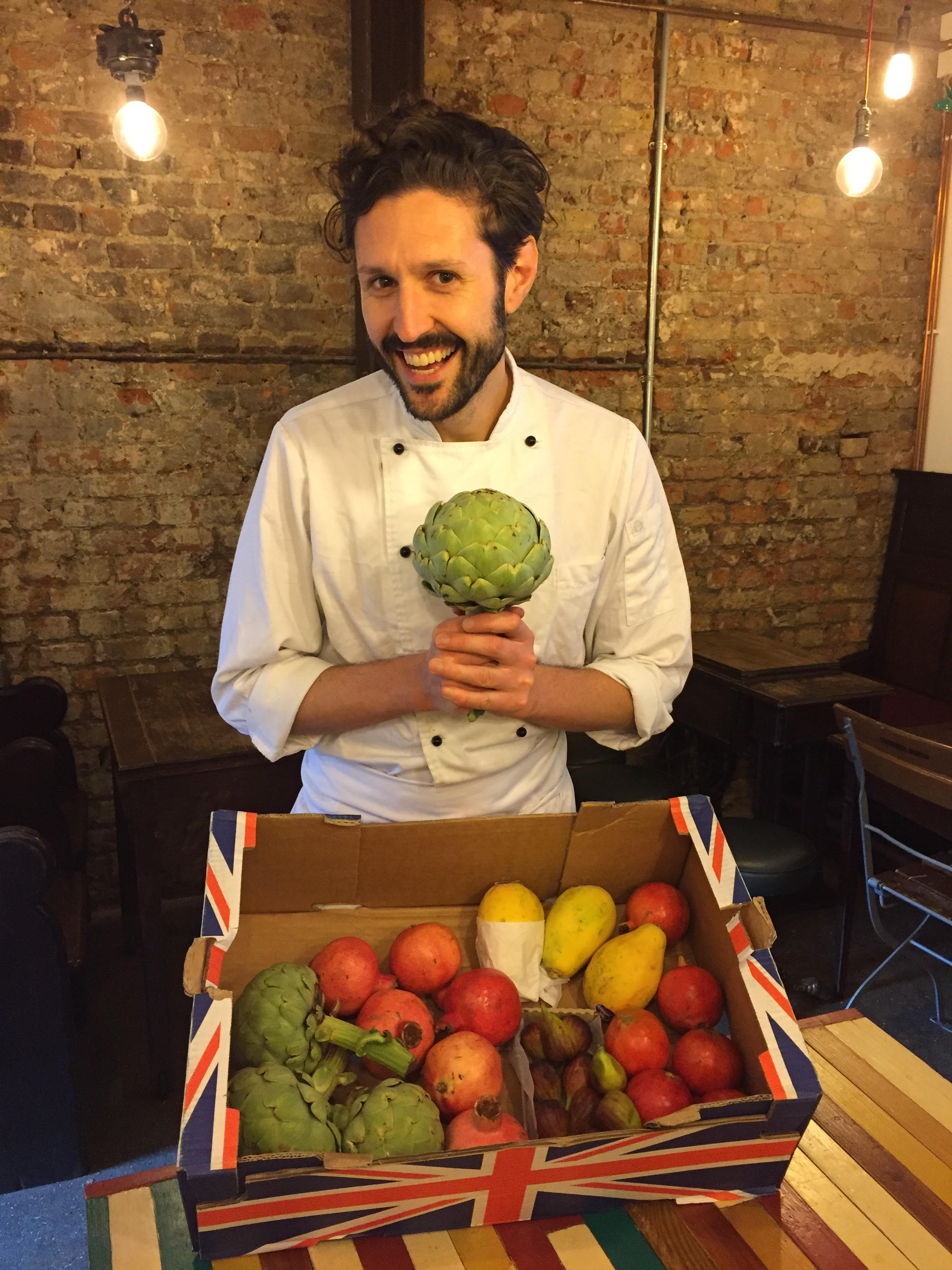 THANK YOU Ted's Veg for a bounty of beautiful, local, seasonal, and chemical-free fruit & veg that will make for a fabulous feast!!  Say hi to Kath & Ted at Borough Market if you pass by ;)  Here's our lovely food stylist & chef Spyros Parissis showing off a healthy artichoke. 8.8.17