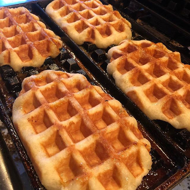 Smoke some weed eat a waffle #420 today only for $4.20 tax included 🌿🚬 get the munchies and eat cheap * only plain liege waffle #wafelsandmore #toronto #munchies #kensingtonmarket #kensingtonmarketbia