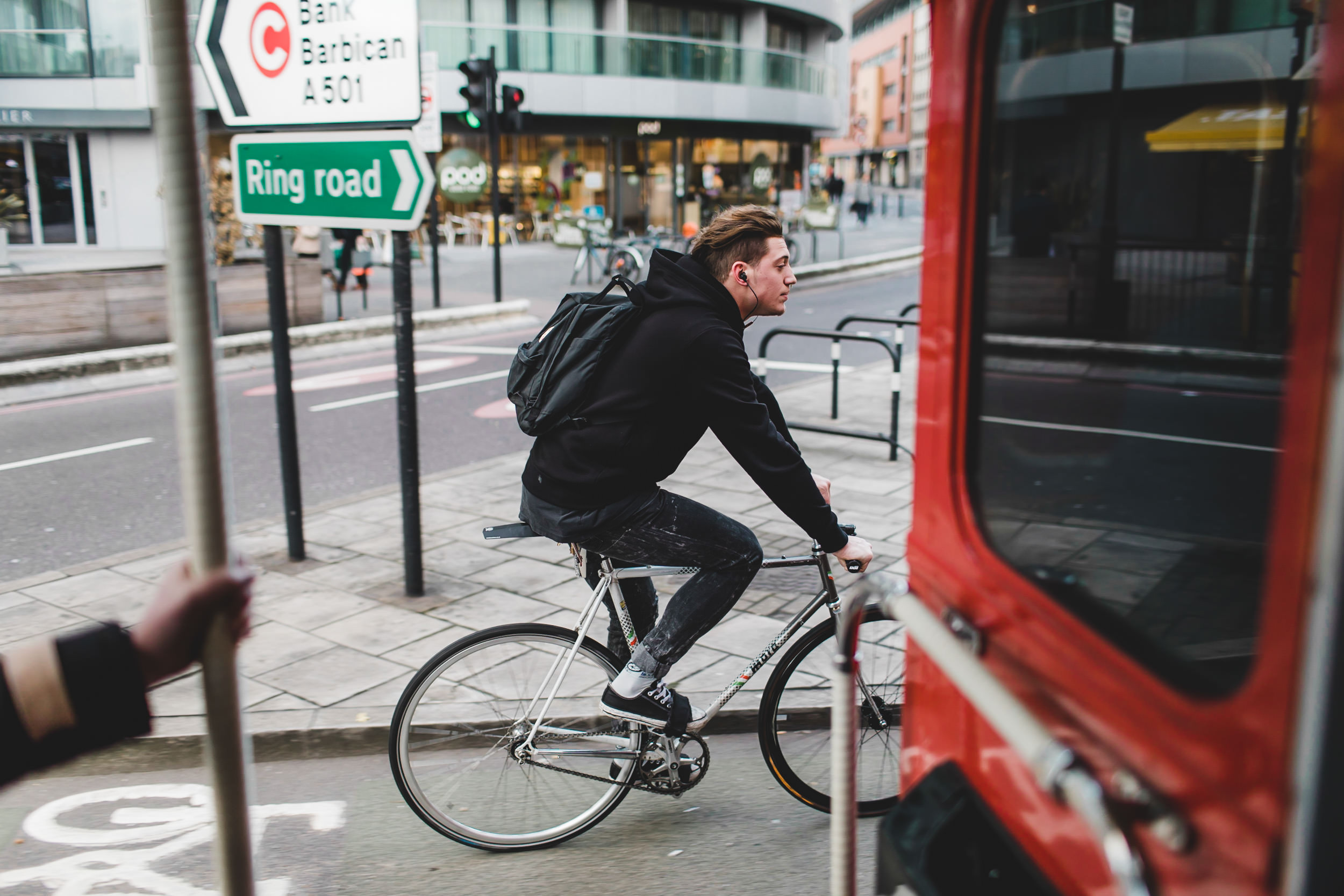 london cyclist from bus
