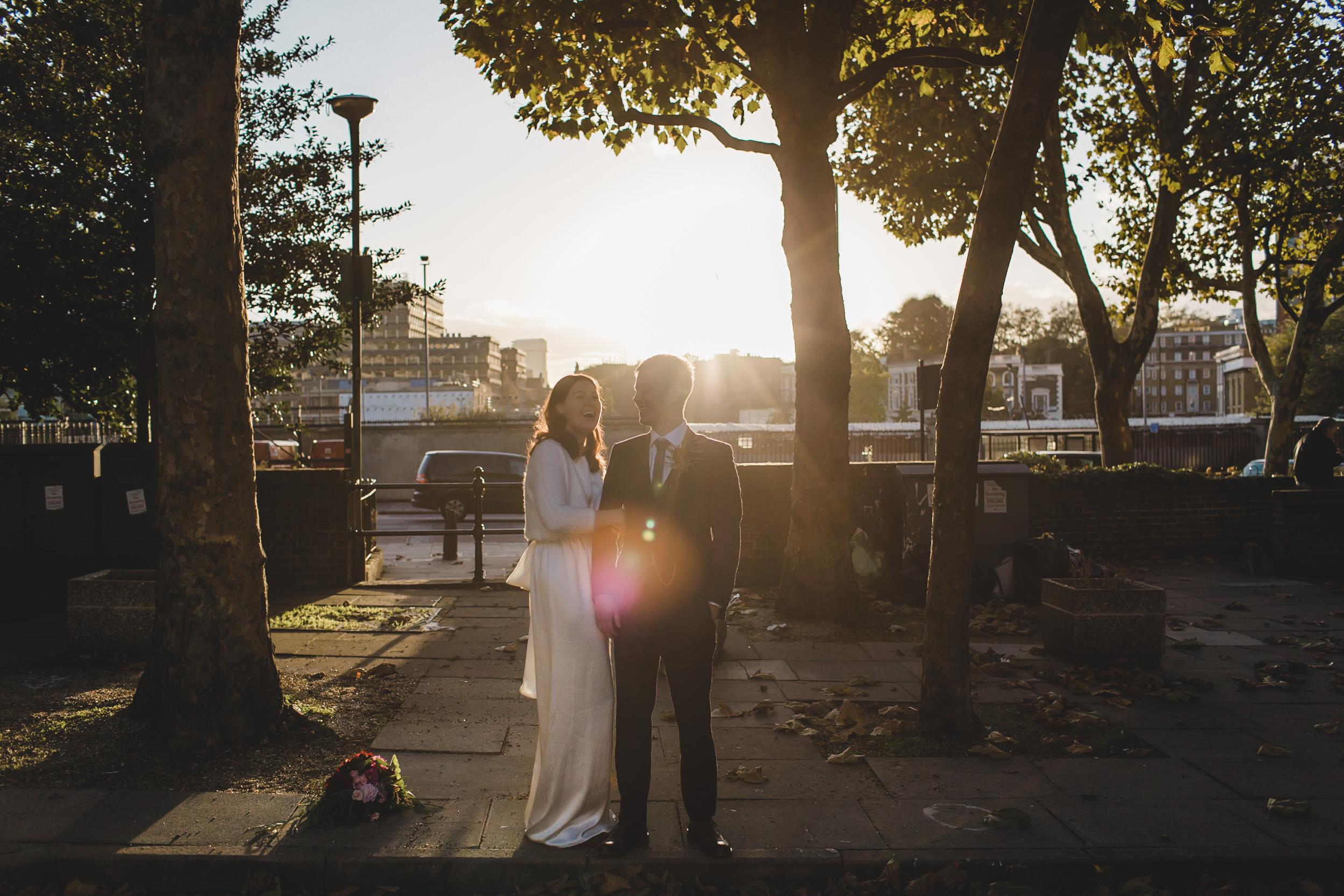 london wedding couple at sunset