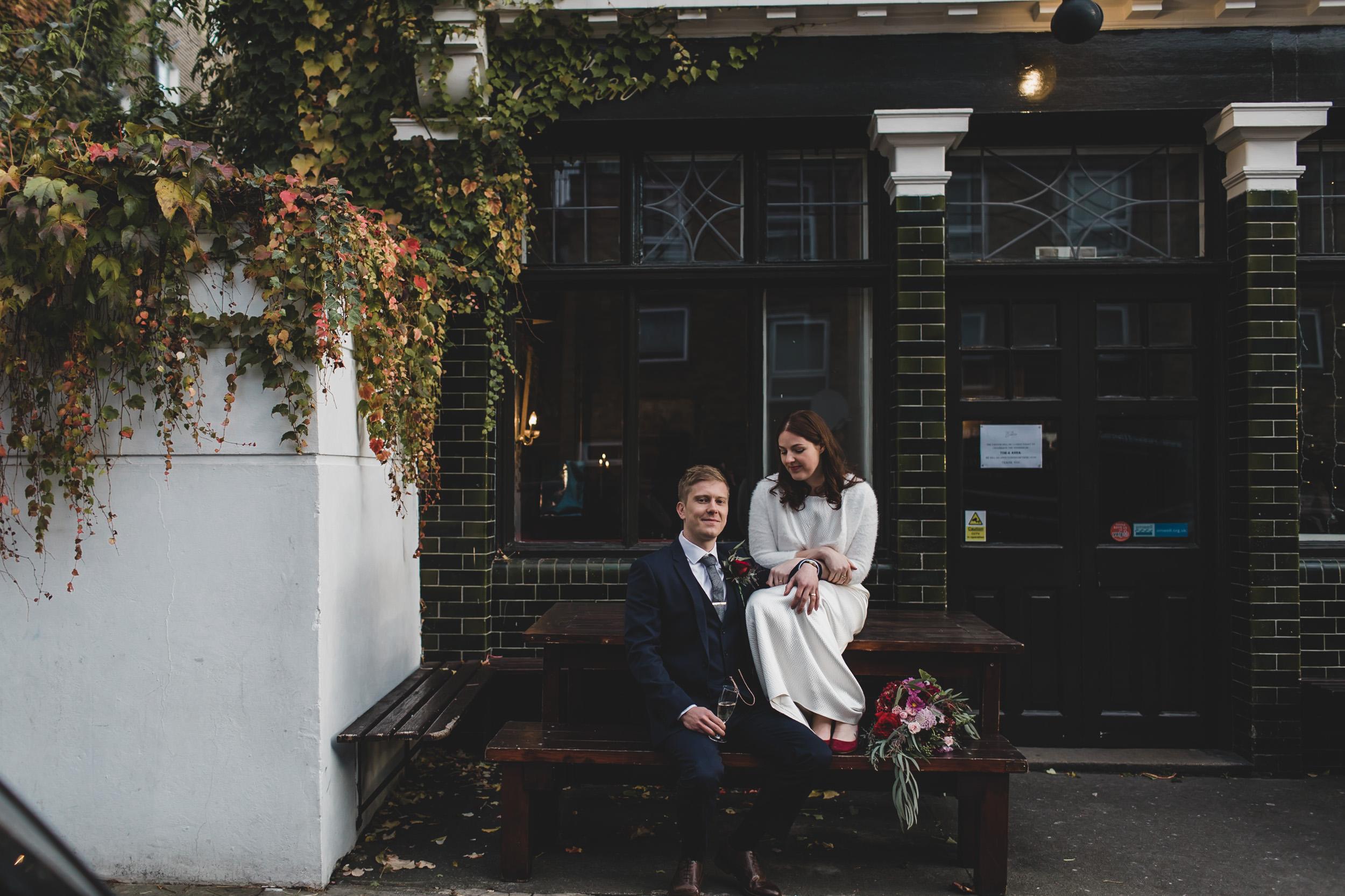 bride and groom easton pub bench
