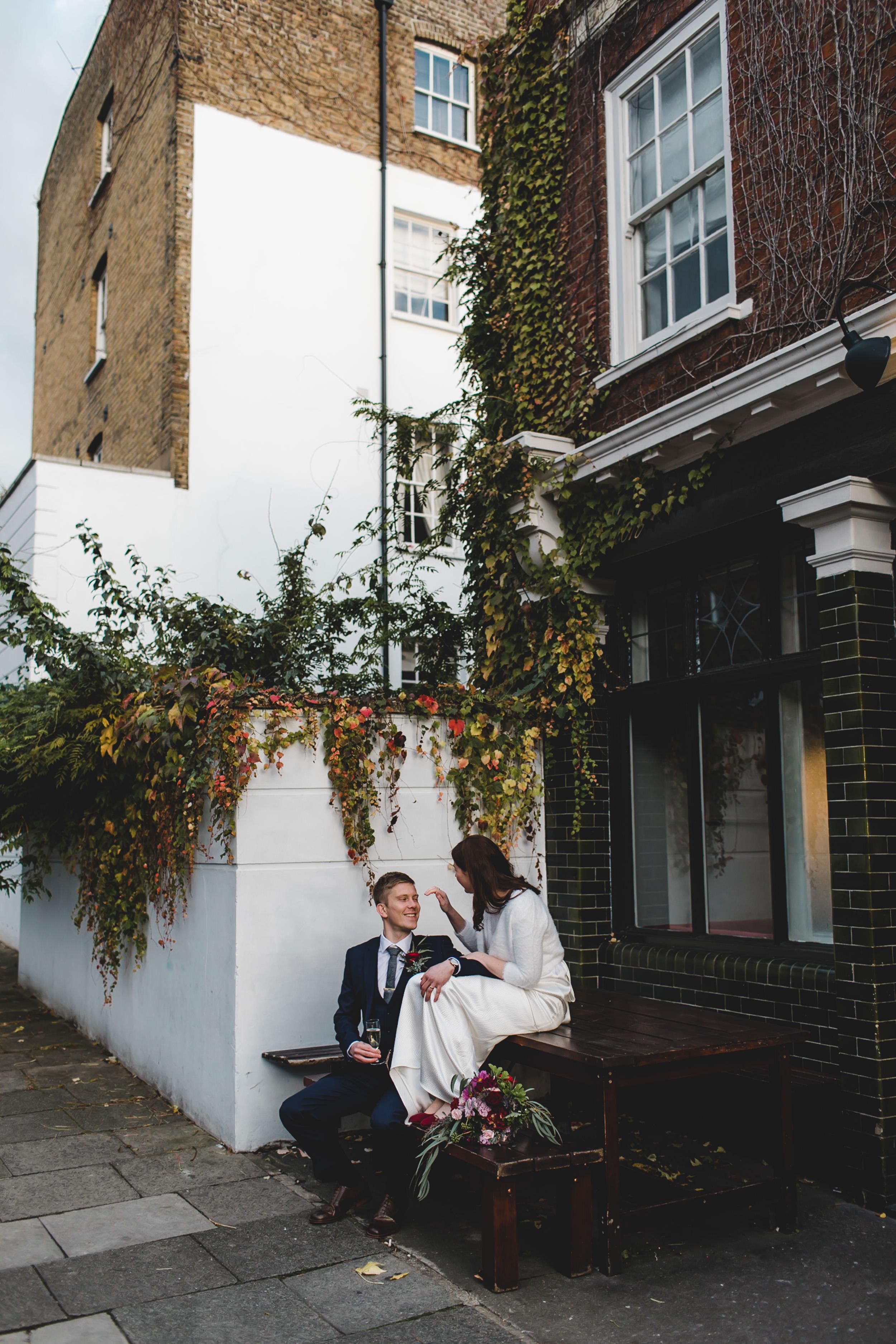 wedding photograph the easton pub clerkenwell