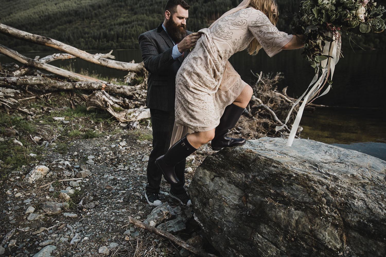 Scottish-elopement-highland-loch-wedding-086.jpg