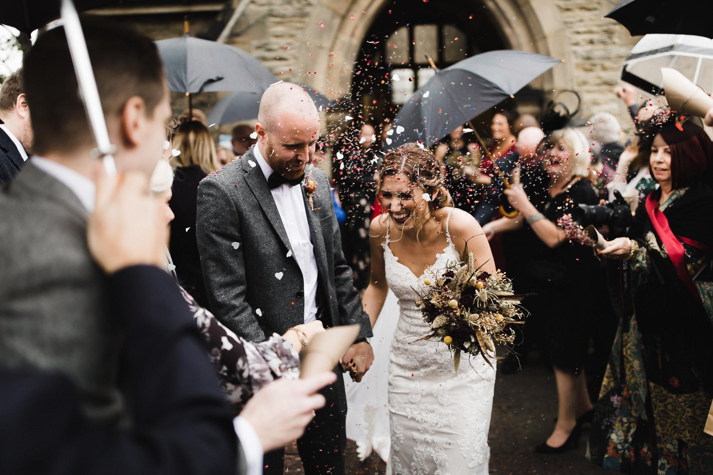 Oakwell_Hall_Yorkshire_rain_wedding_053.jpg
