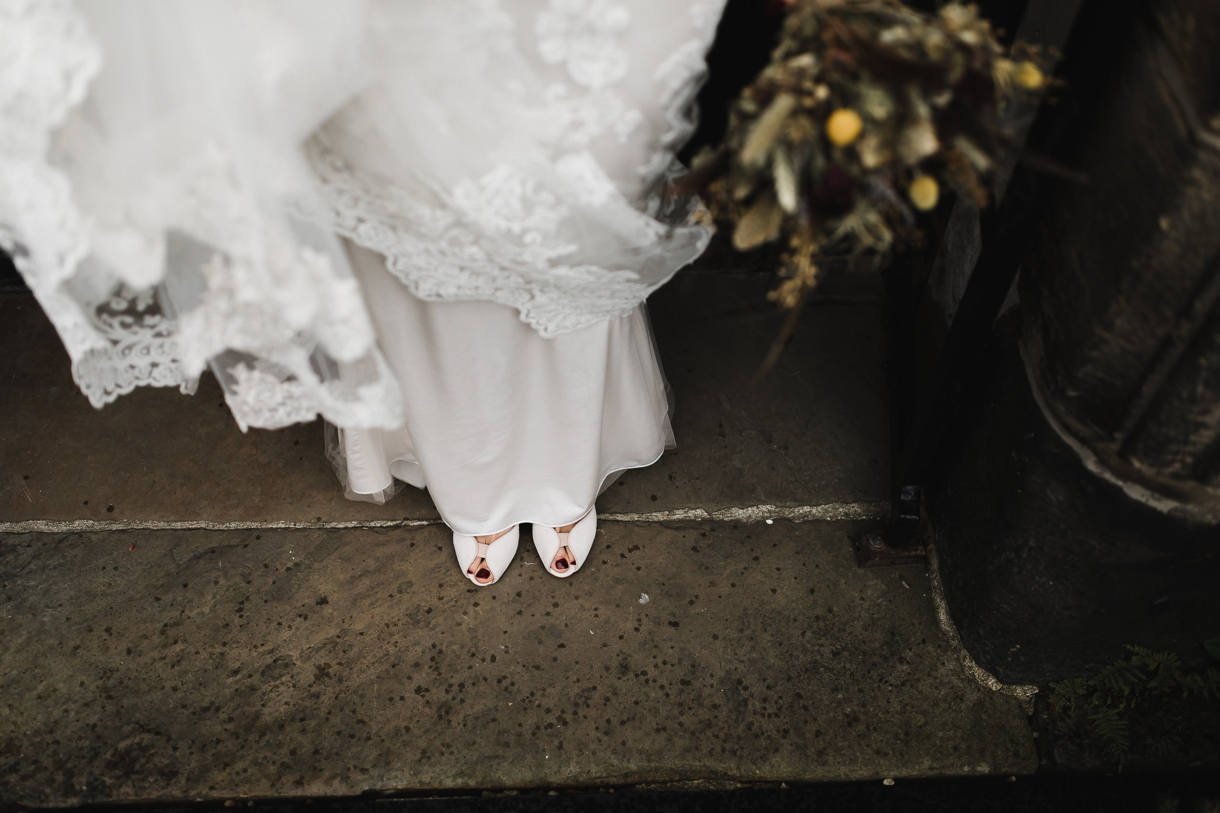Oakwell_Hall_Yorkshire_rain_wedding_073.jpg