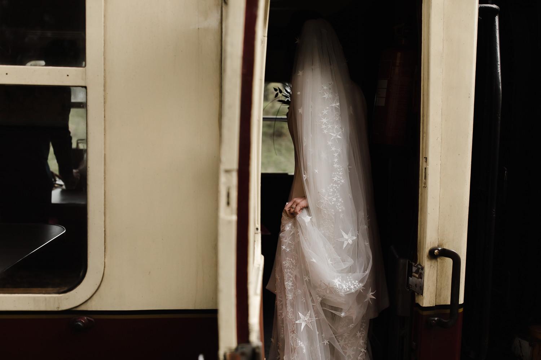 Steam_train_wedding_Great_Central_Railway_Jo_Al_062.jpg