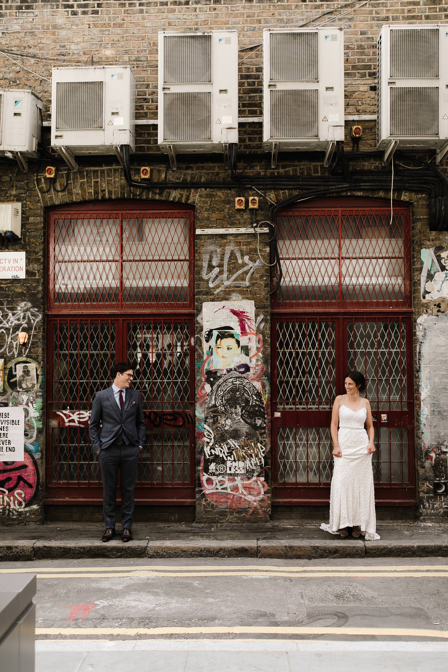 Islington_Town_Hall_Swan_Globe_Theatre_wedding-26.jpg