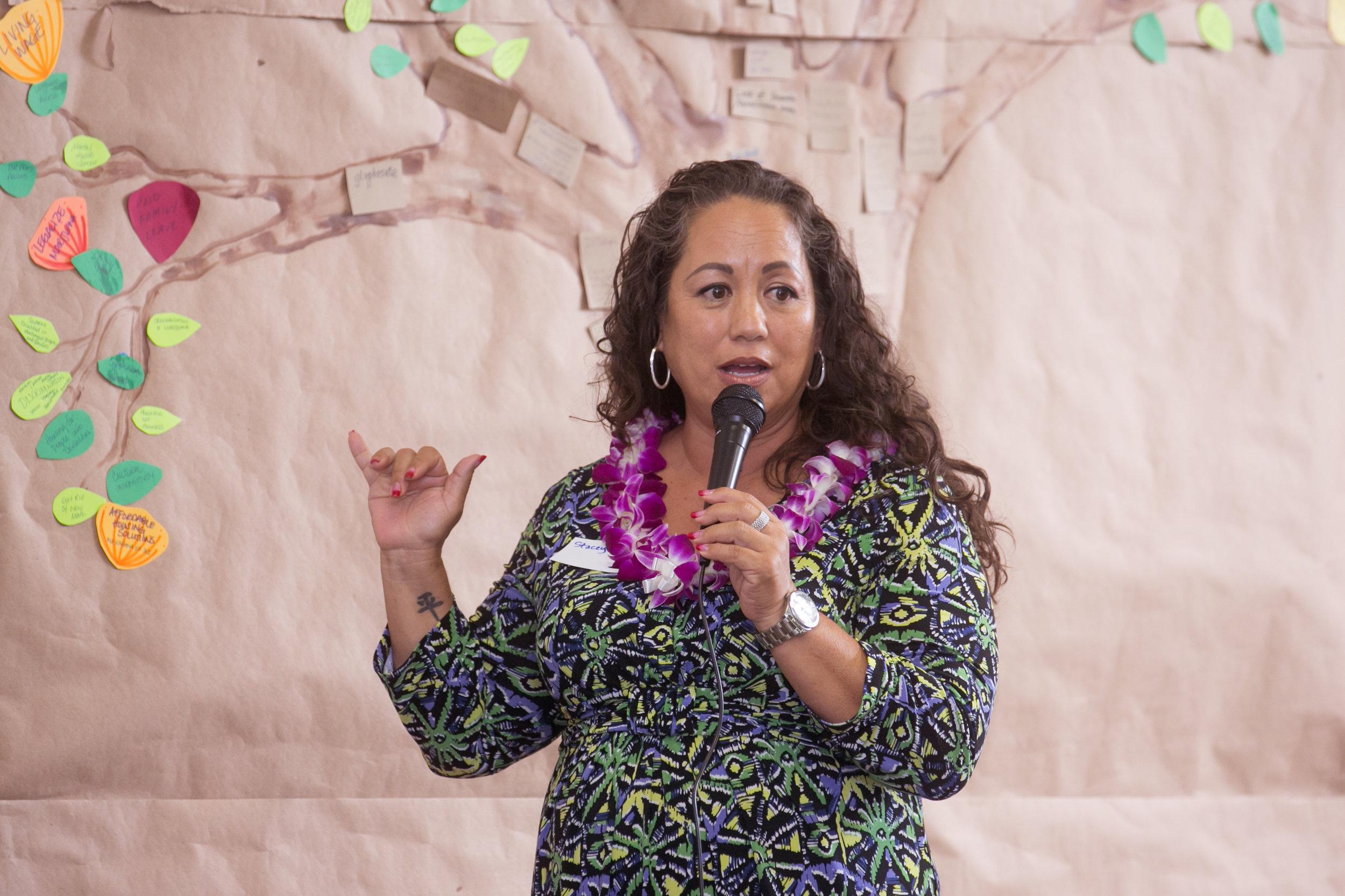 MauiPeoplesCongress0112 Woman speaker Tree.jpg