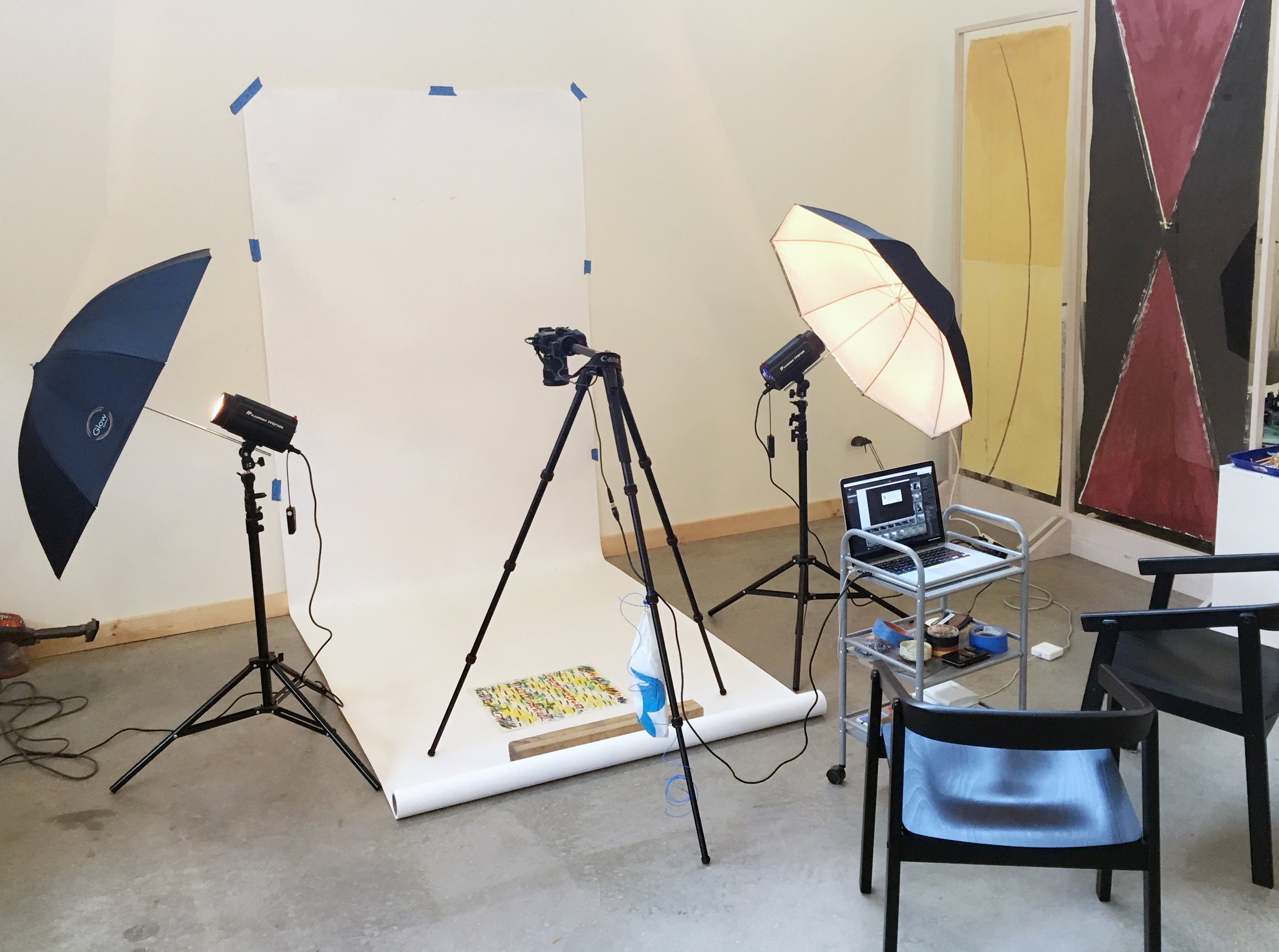 Setup for medium sized floor and wall shoot.