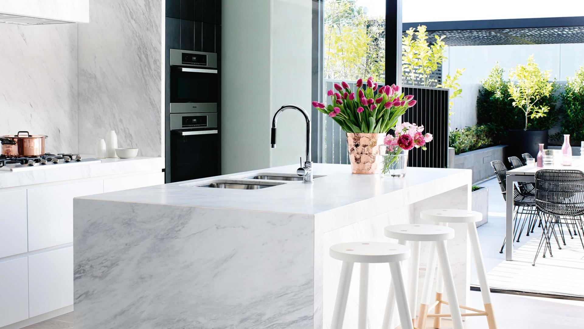KITCHEN DETAILING   Give your kitchen a detail clean and see the difference. Our kitchen detailing provides your kitchen a new life.