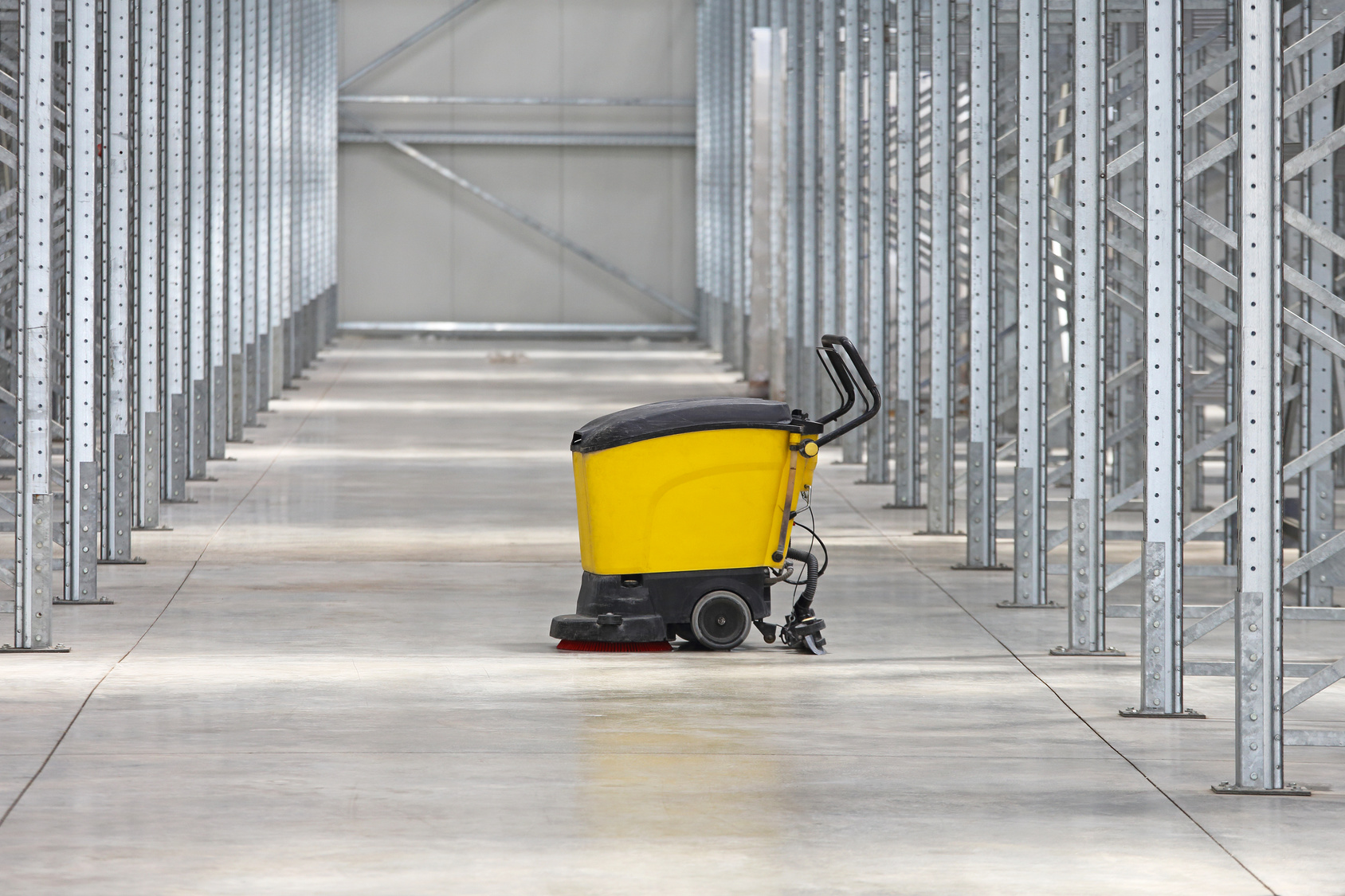 WAREHOUSE & CAR PARK CLEANING   We provide mechanical sweeping and/or scrubbing of warehouse floors or car parks.