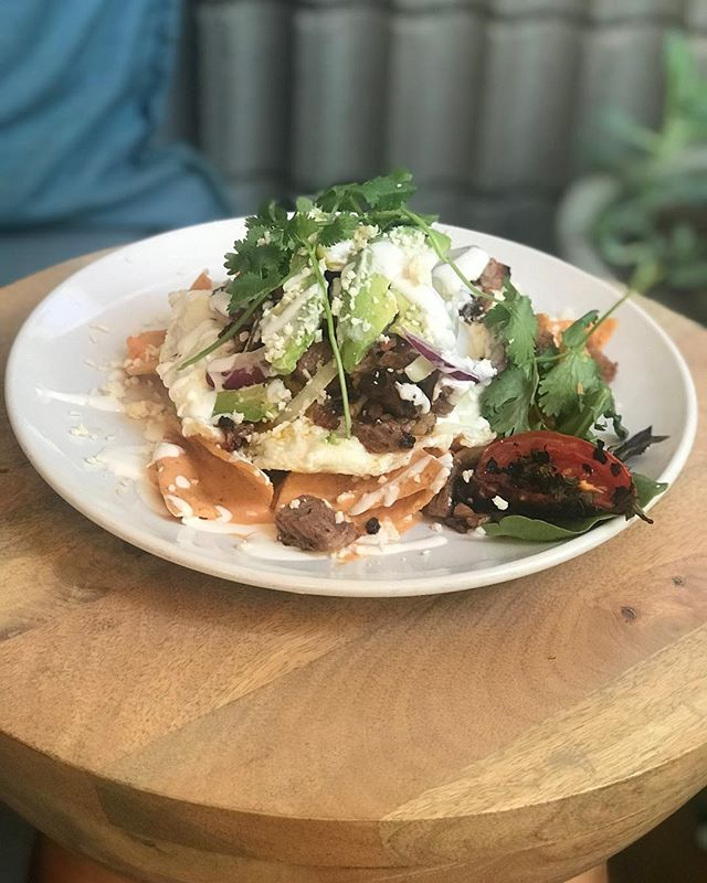 We can't help but add @big_vics_bbq smoked brisket to everything! Join us for breakfast and enjoy this wood fire smoked brisket chilaquiles! Seriously amazing.🔥 Slow cooked all night long.  Ingredients shown are compliments of our neighbors: @cipponerifamilyfarm, @burroughs.family.farms, @thestewardsustainablefarm, @laperlatapatia and @big_vics_bbq.