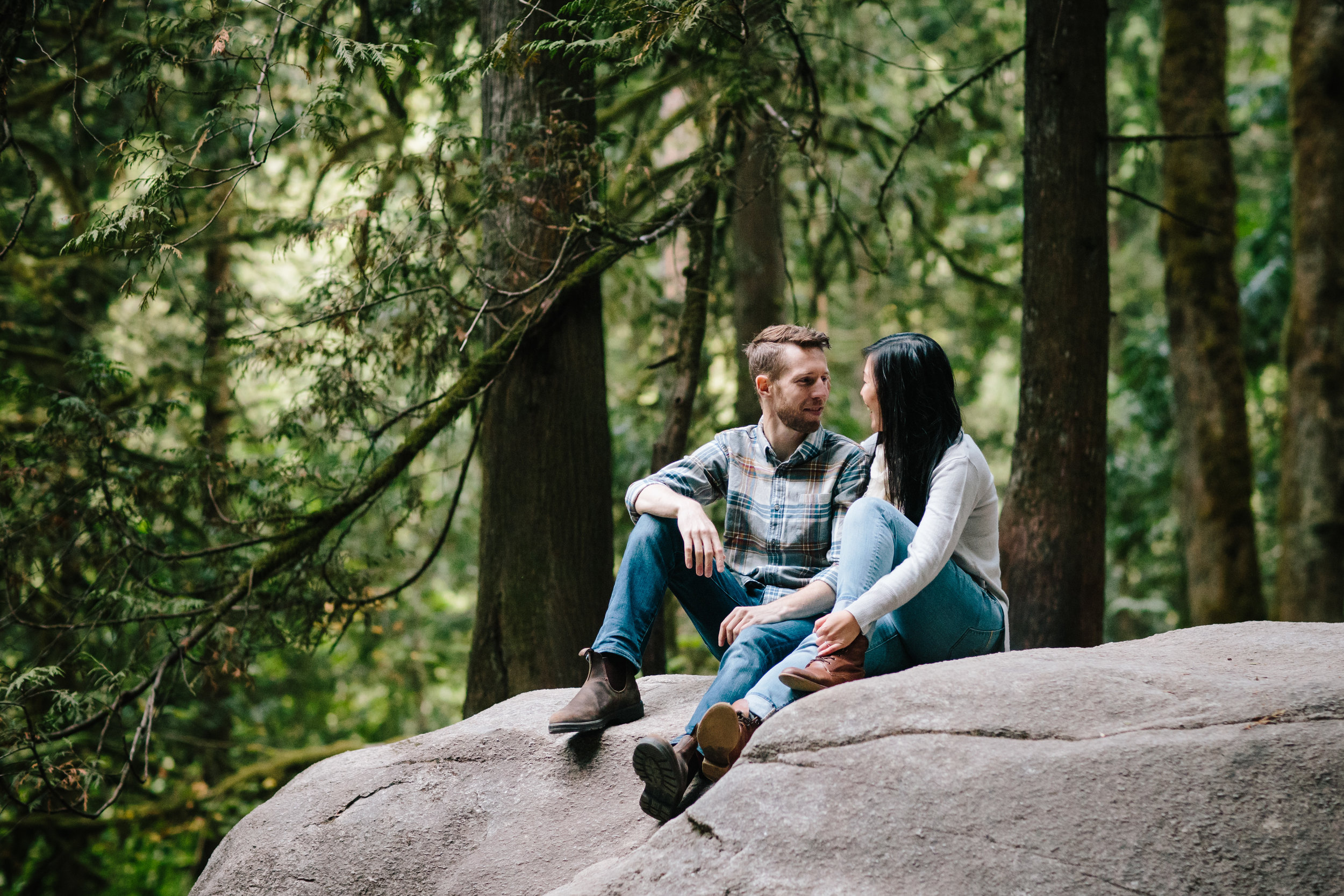 ENGAGEMENT SESSION IN LYNN CANYON | NORTH VANCOUVER, BC