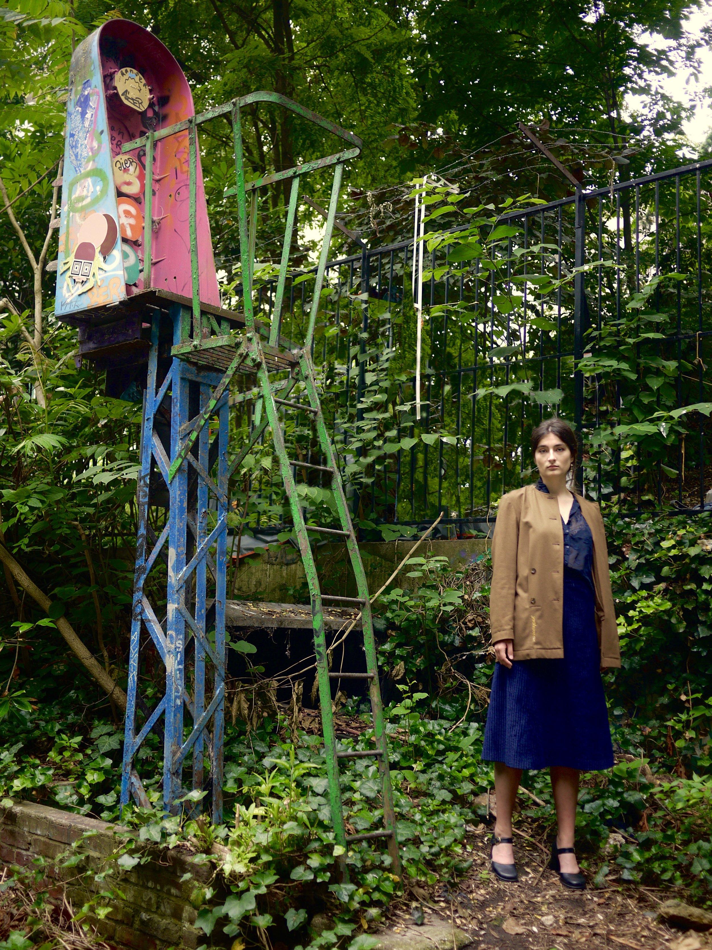 ©AtypiqueAtipico, Lili Jullian, Ambre Bernard, shooting pour la collaboration avec Gisèle, petite ceinture de Ménilmontant