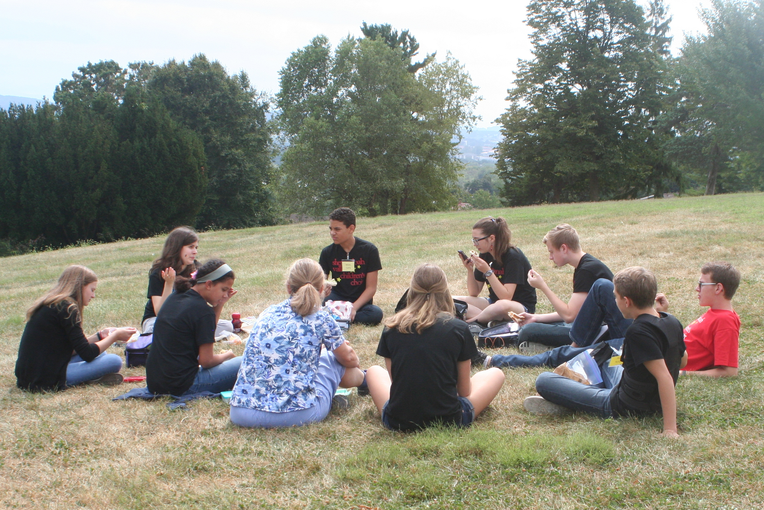 2016 (CC) Choristers Eat Lunch at Retreat.jpeg
