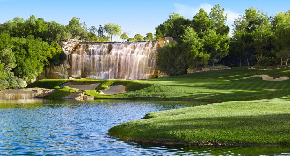 1_724_Wynn_Golf_18th_Hole_Barbara_Kraft 2.jpg