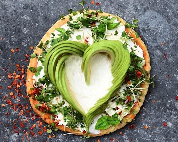 Gorgeous-recipes-show-avocado-slices-arranged-in-swirls4-1.jpg