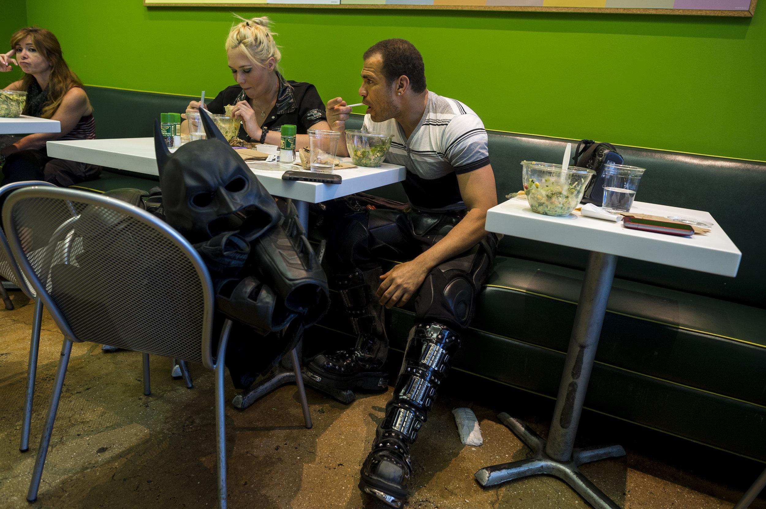 Jose and Elizabeth break for lunch.
