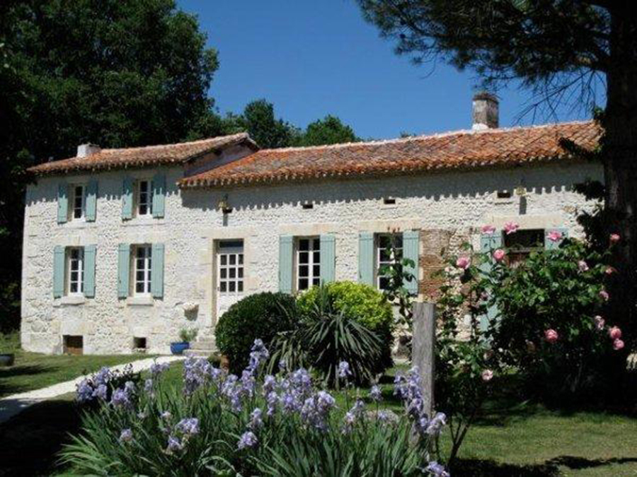 Stone farmhouse in France during Taylor Anne Smith artist travel workshop